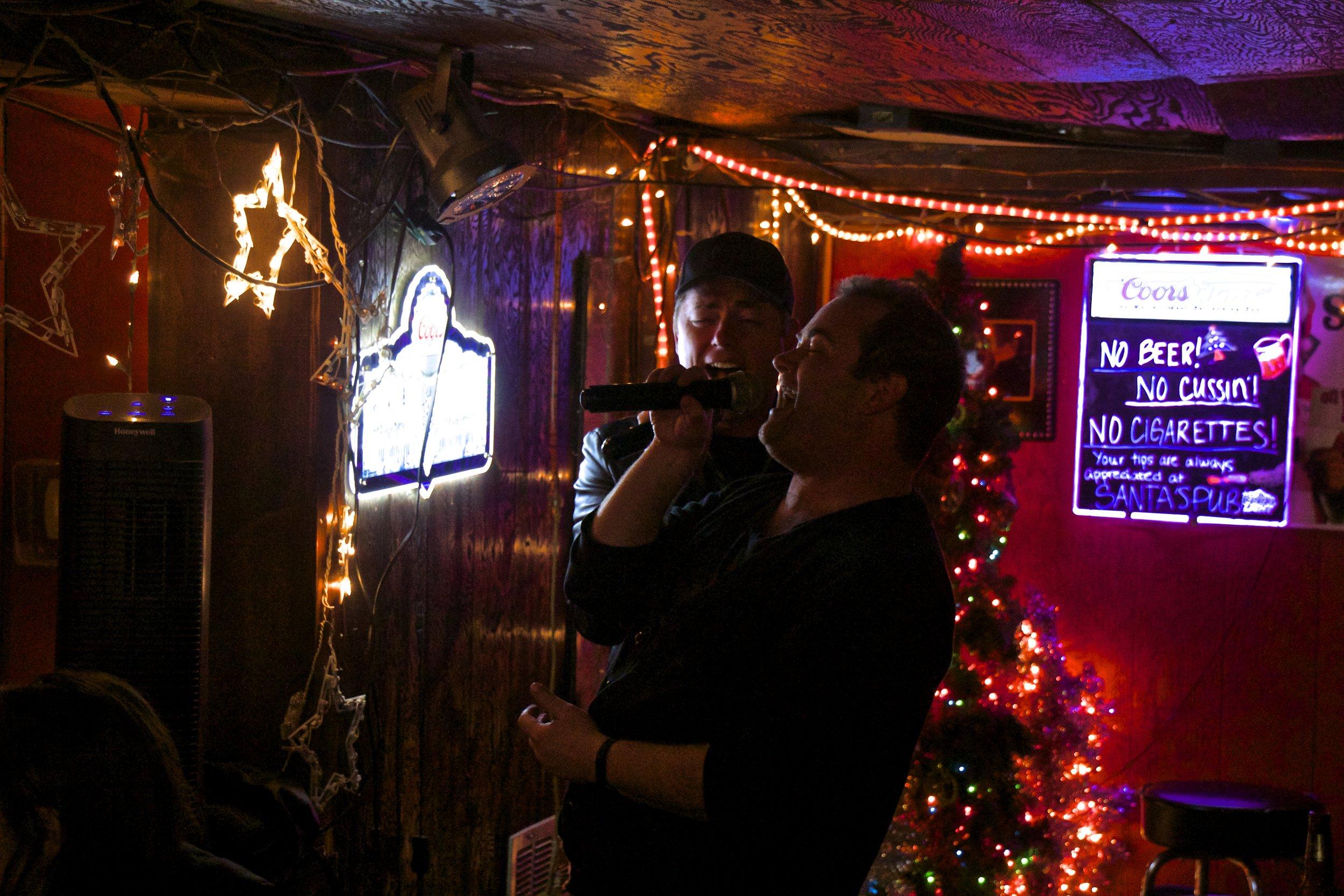 santa's pub karaoke nashville.jpg