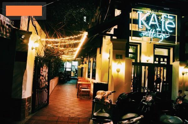 Credit:http://hanoi-online.net/wp-content/uploads/2014/12/most-decor-christmas-cafe-hanoi-12.jpg