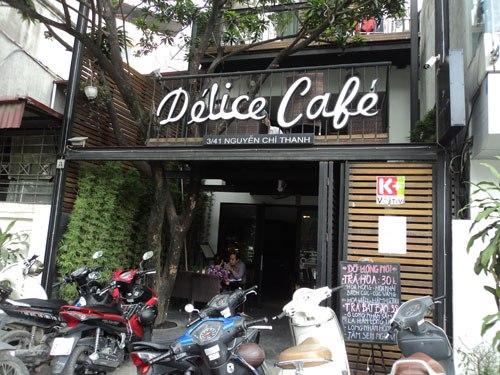delice cafe hanoi.jpg