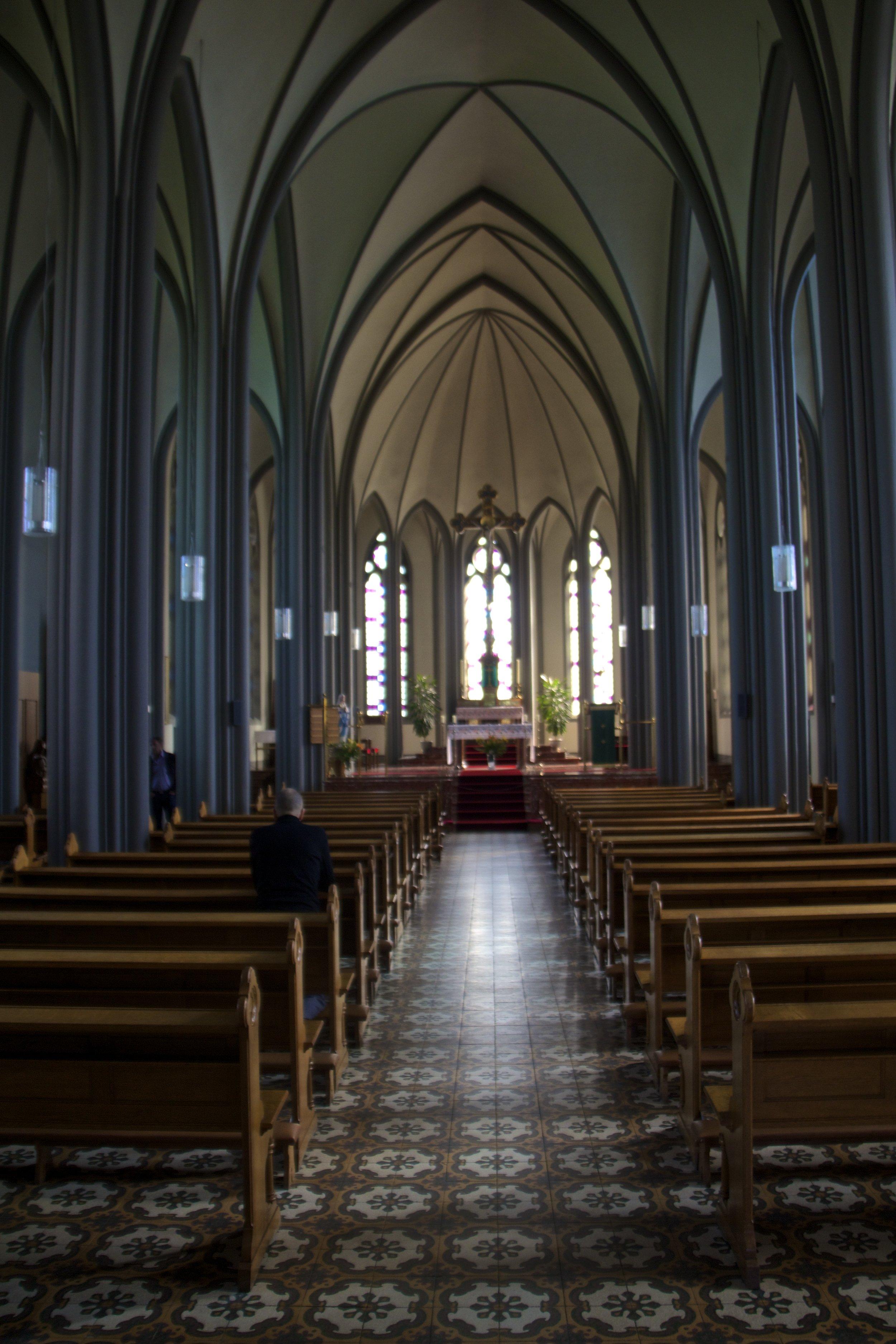 reykjavik iceland roman cathedral 2.jpg