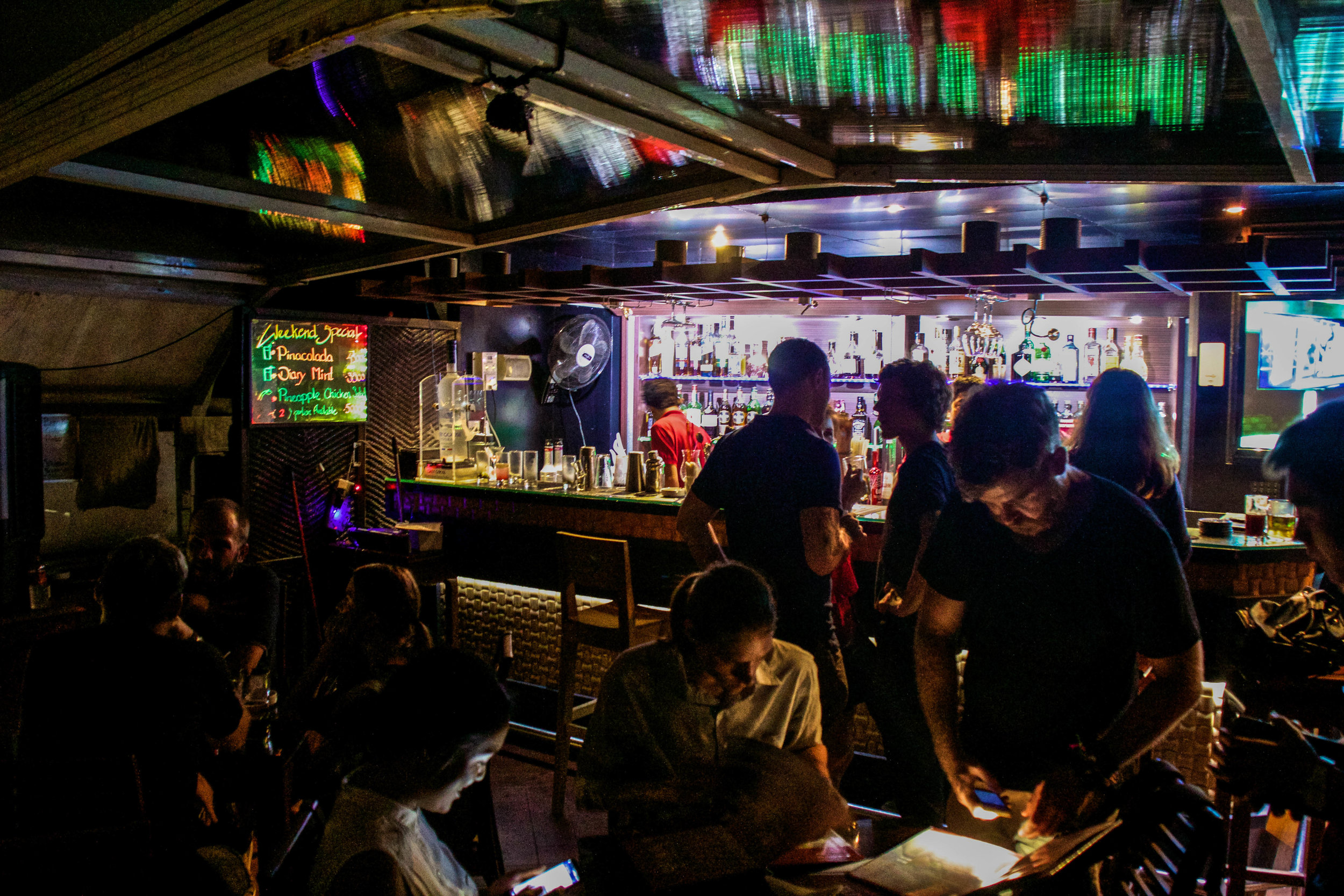 vista bar nightlife rangoon yangon burma myanmar 2-2.jpg