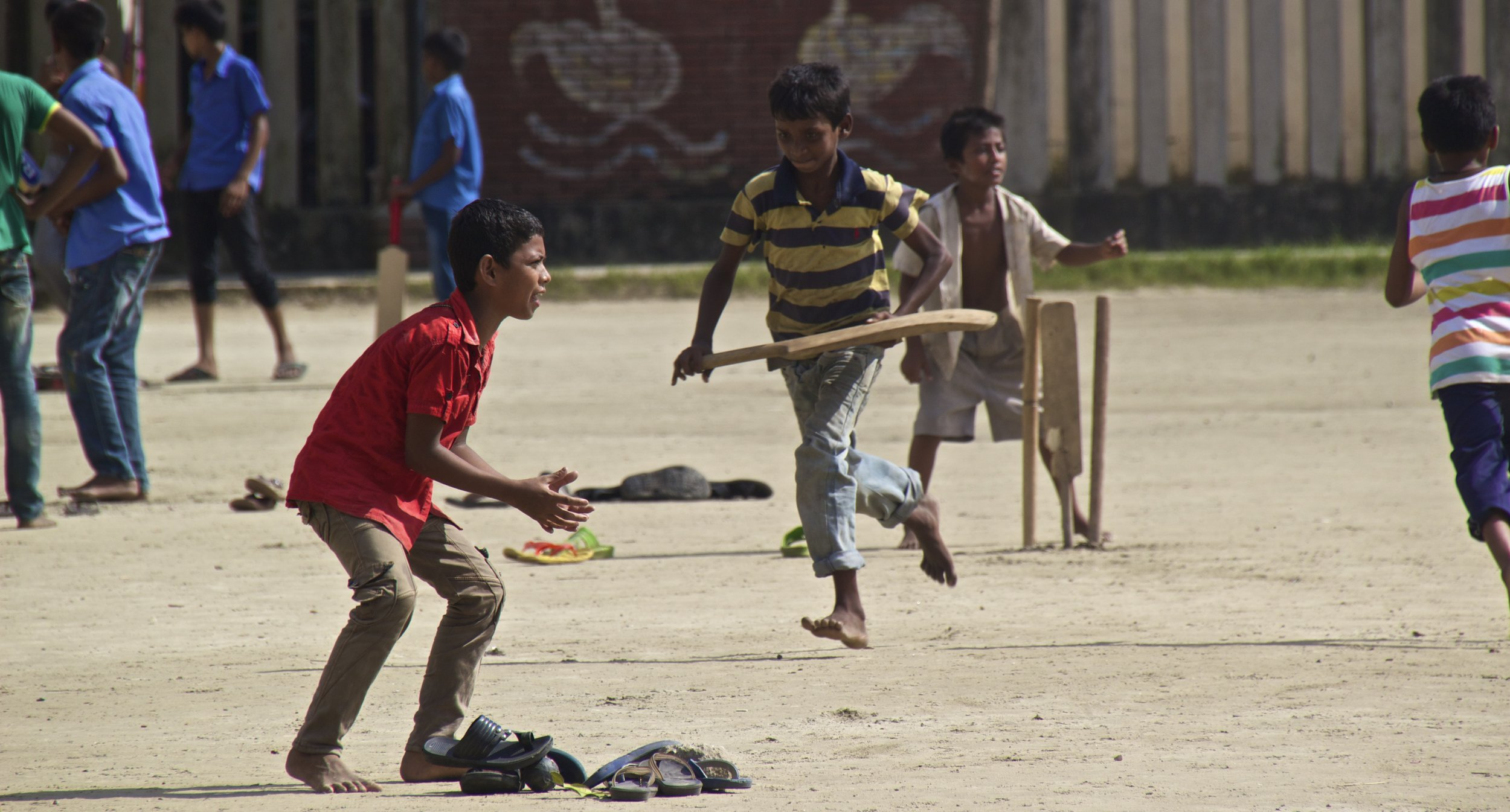 rayer bazar dhaka children playing cricket 6.jpg