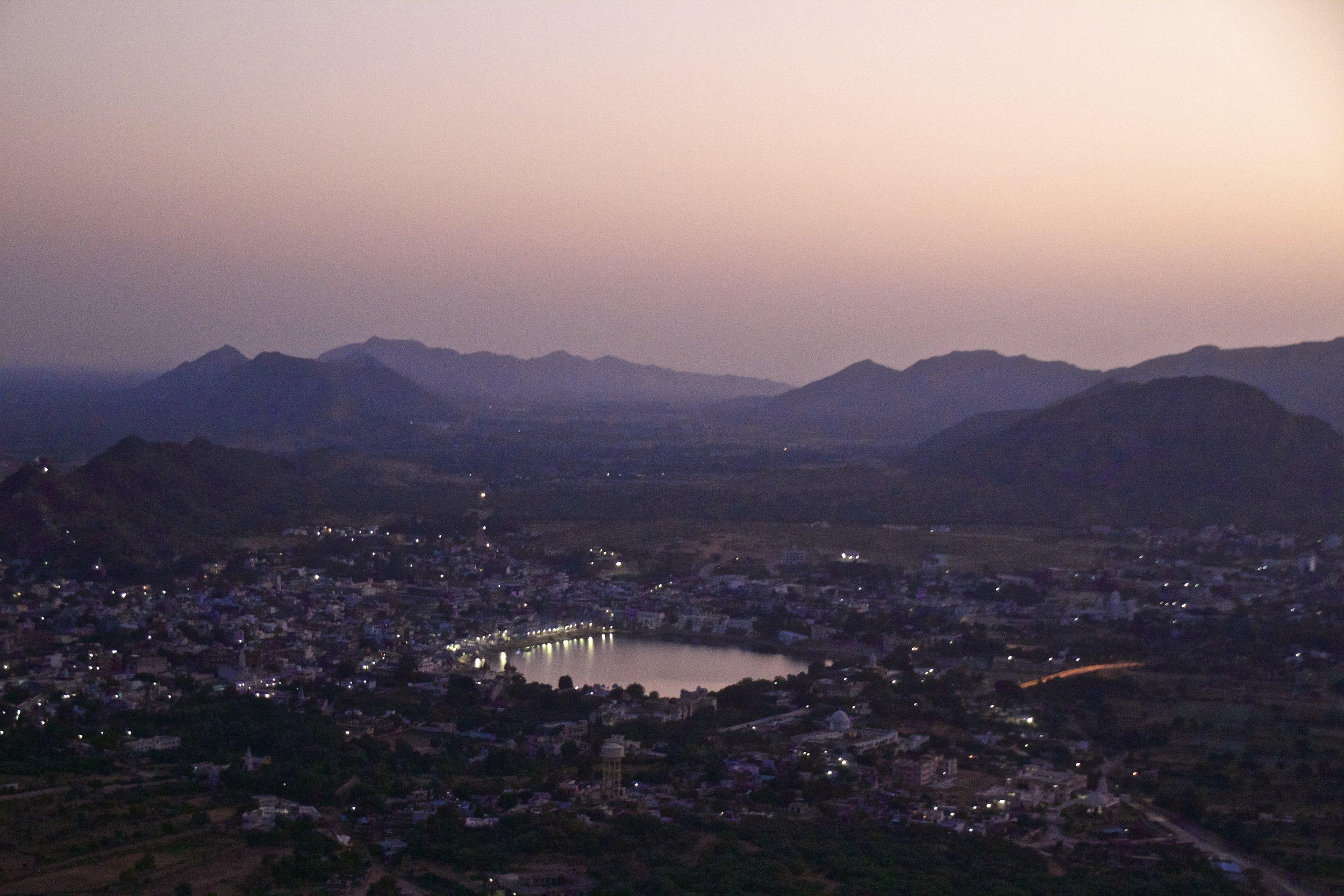 pushkar rajasthan mountain top sunrise 3.jpg