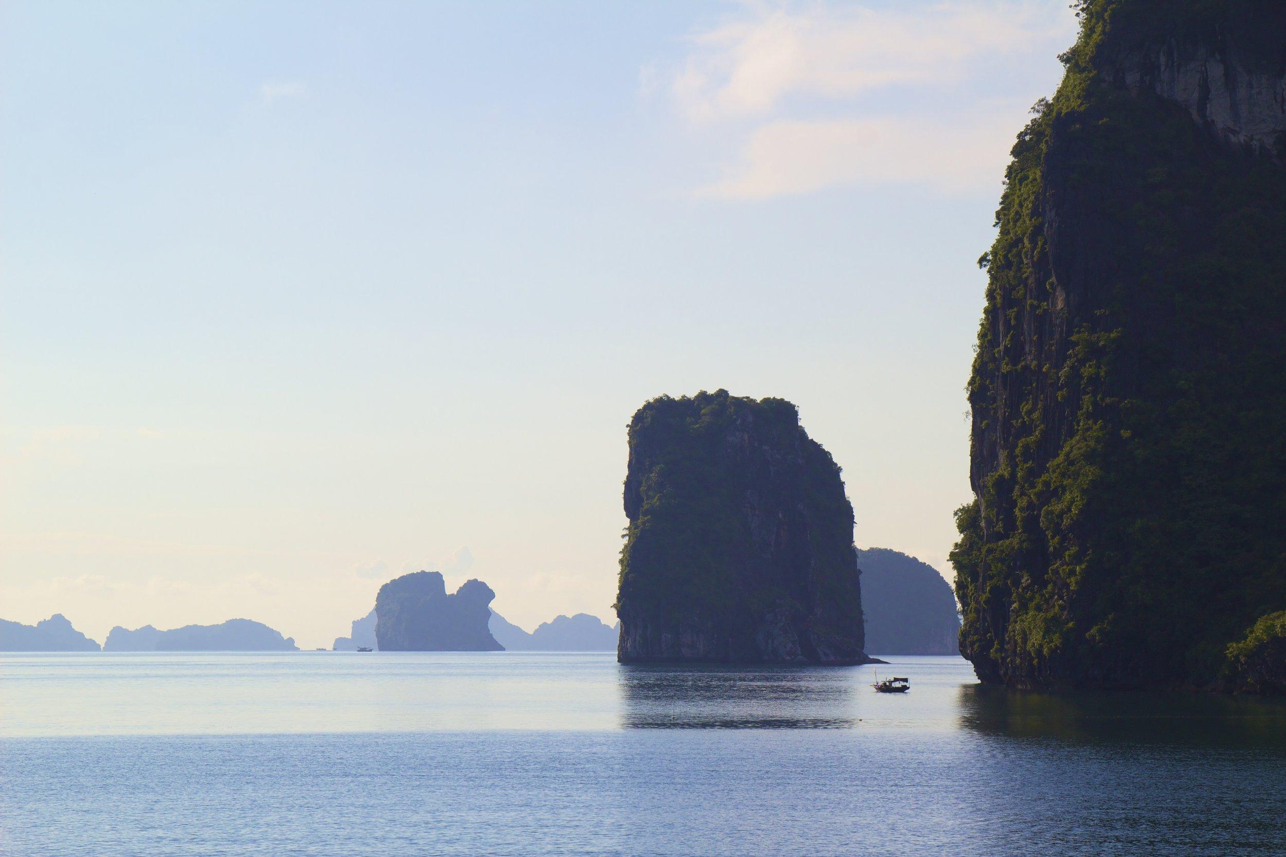 Ha Long Bay Vietnam 11.jpg