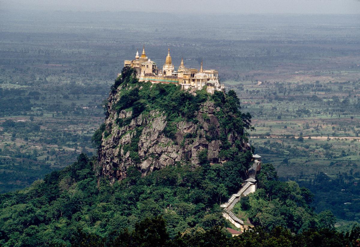 taung-kalat-monastery-original-3460.jpg
