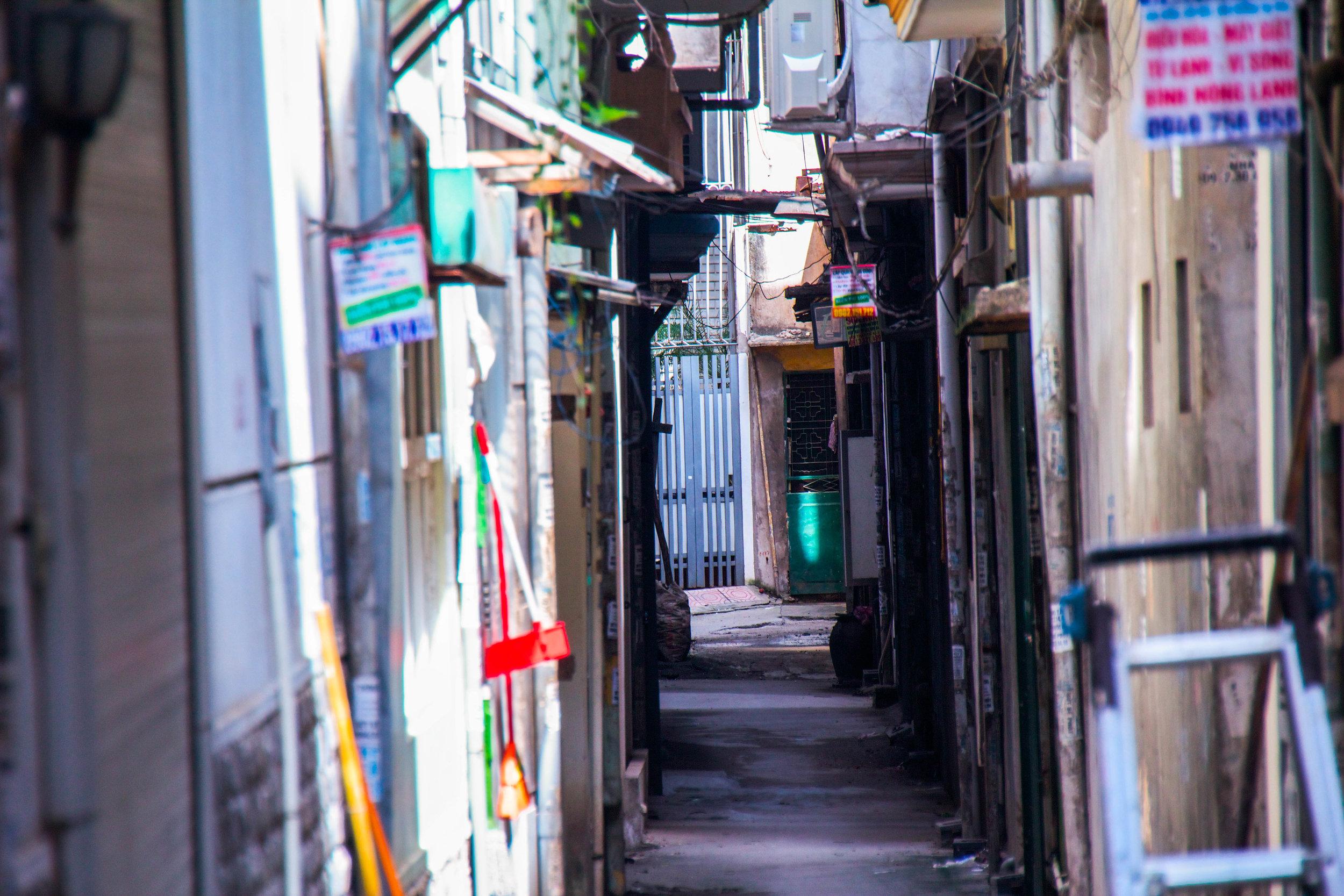hanoi veitnam alley -1.jpg