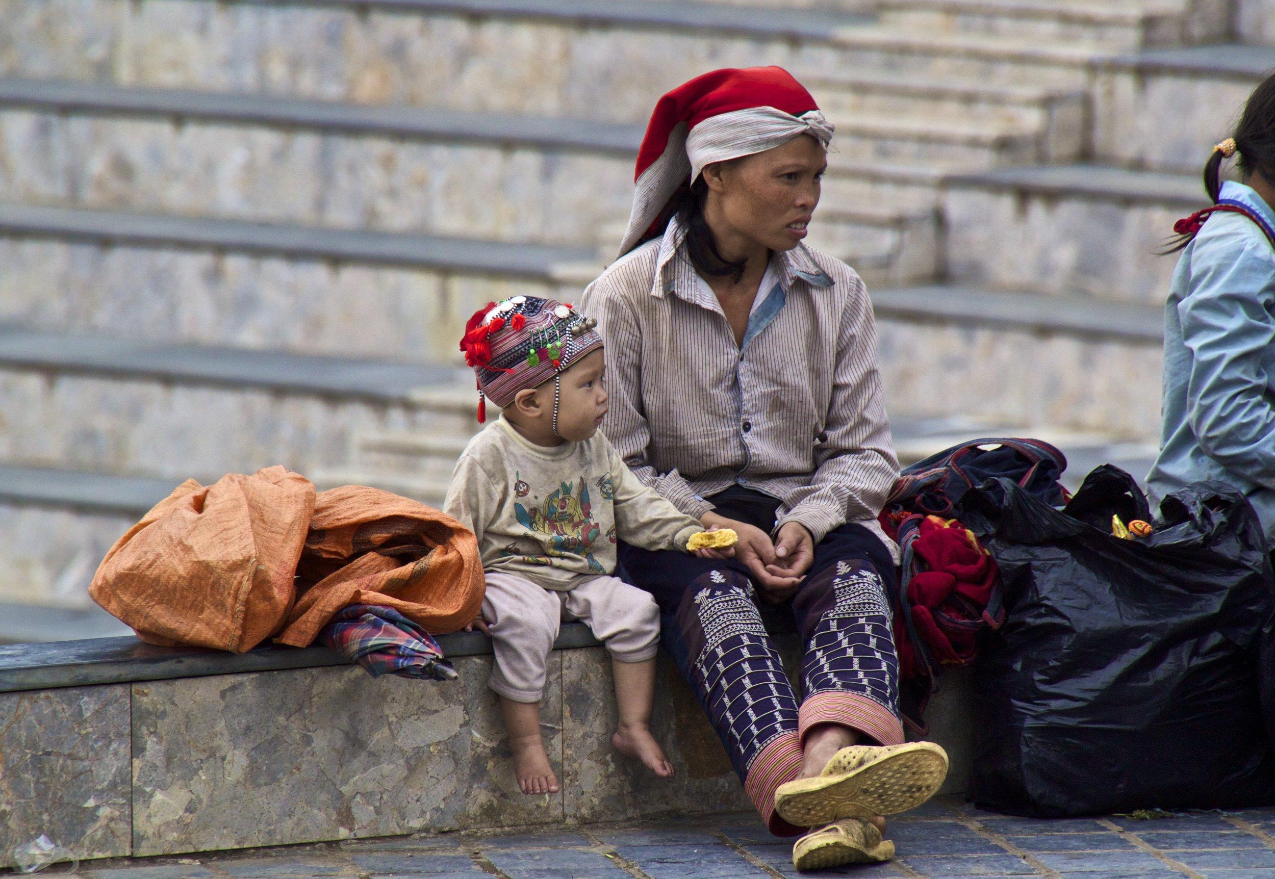 sa pa hmong girls vietnam 4.jpg