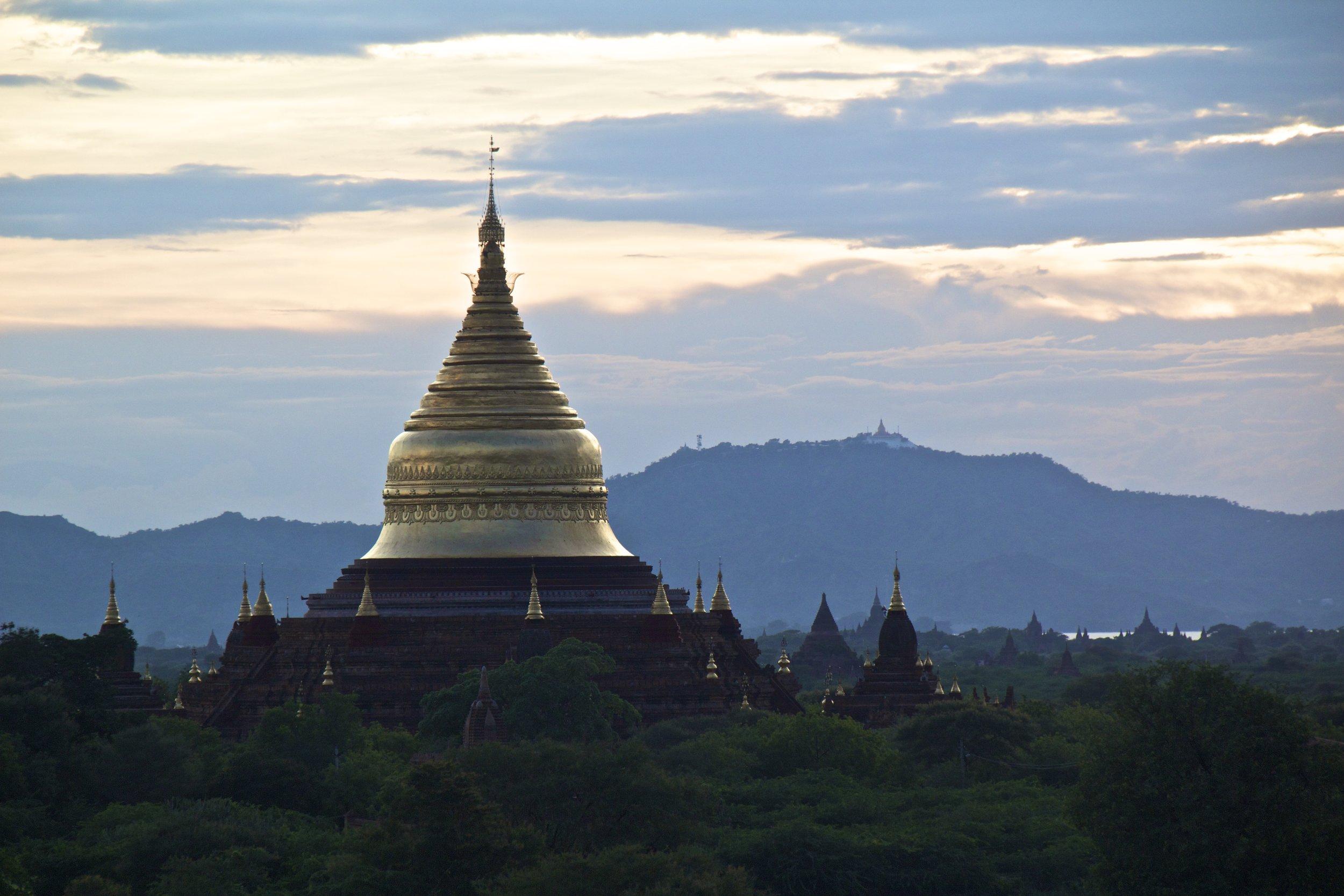 bagan burma myanmar temples sunset 1.jpg