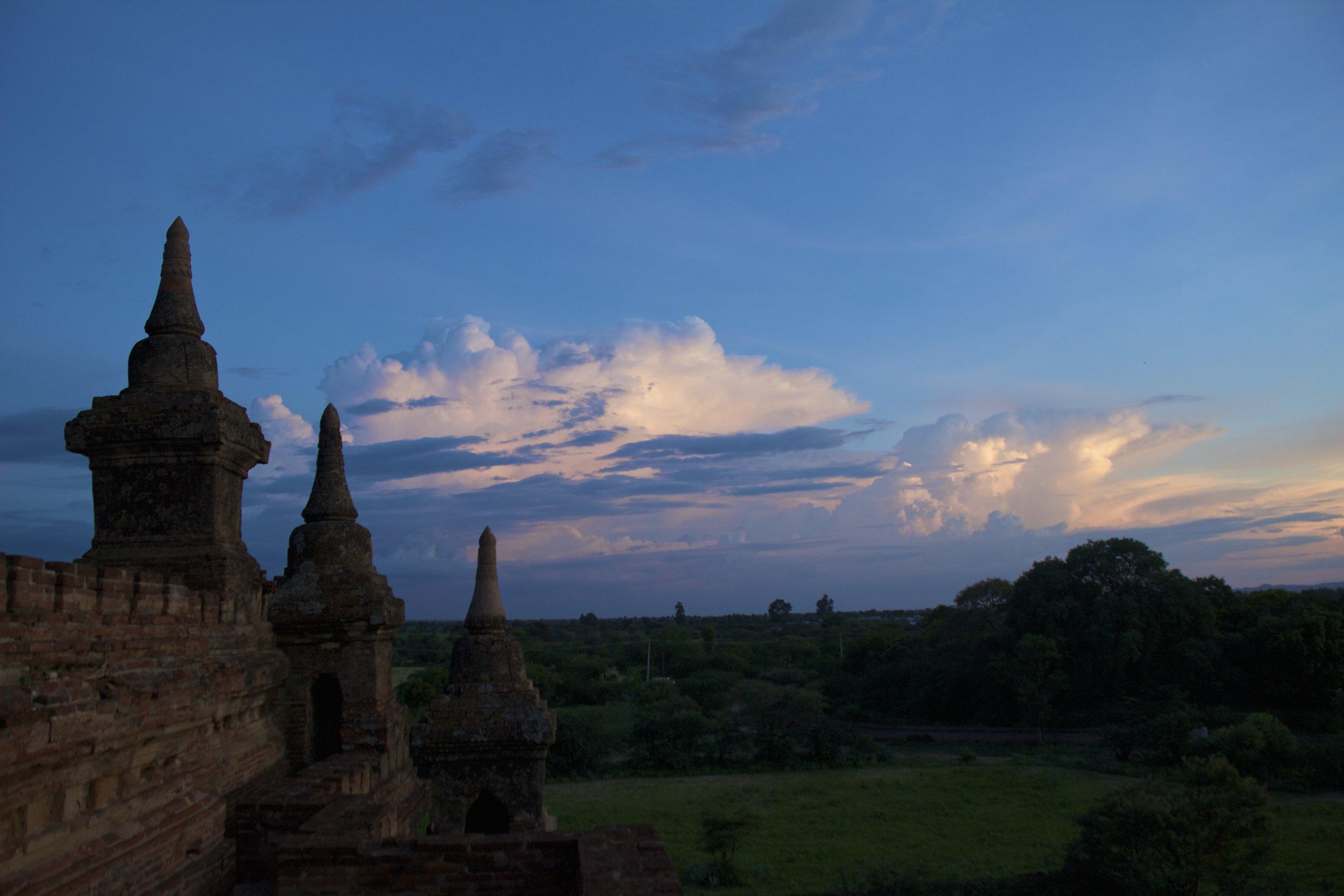 bagan burma myanmar temples sunset 5.jpg