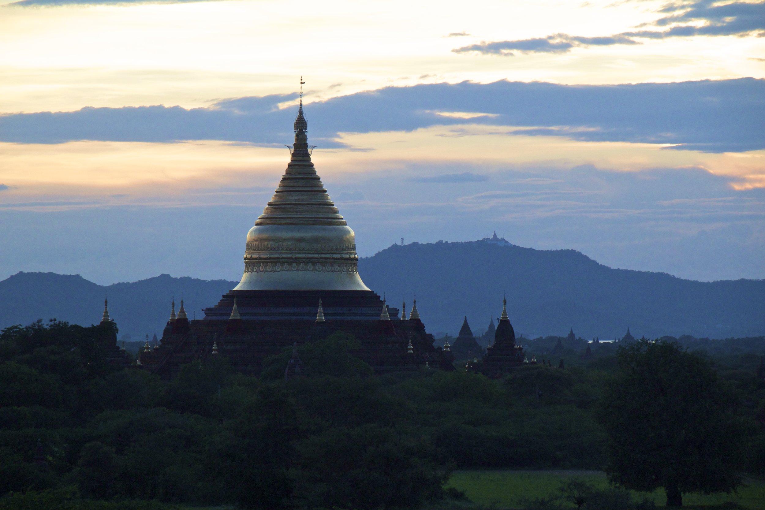 bagan burma myanmar temples sunset 6.jpg