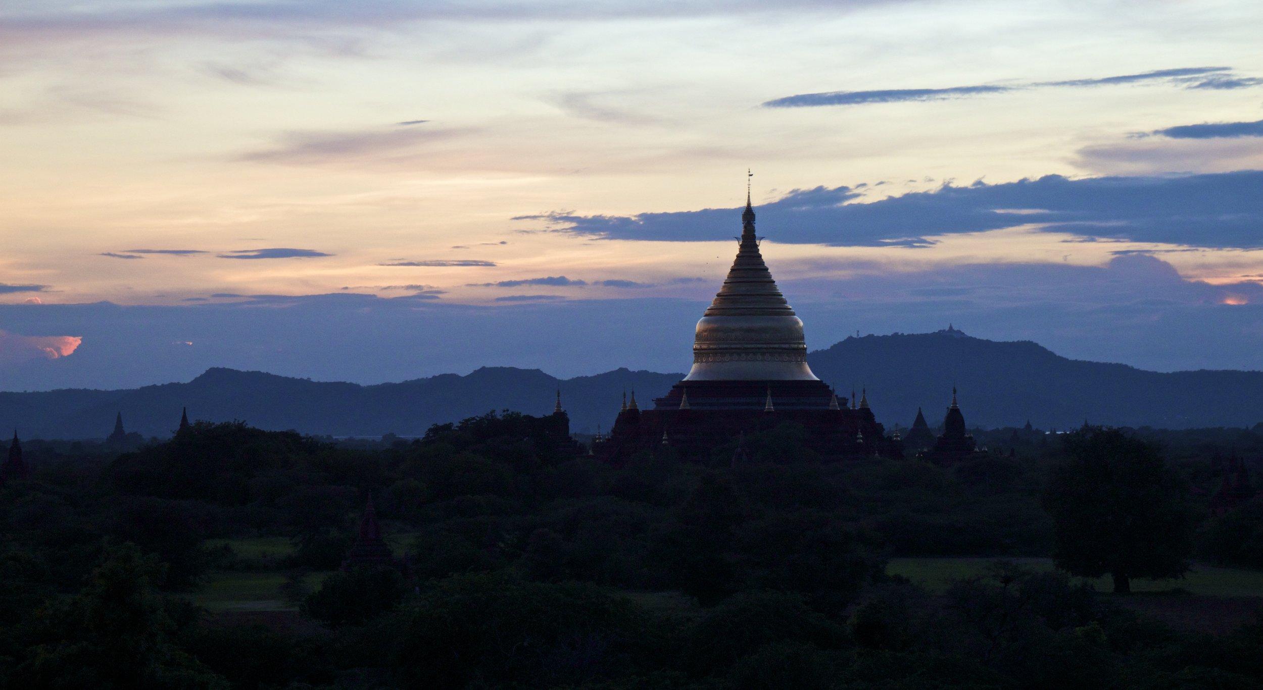 bagan burma myanmar temples sunset 10.jpg