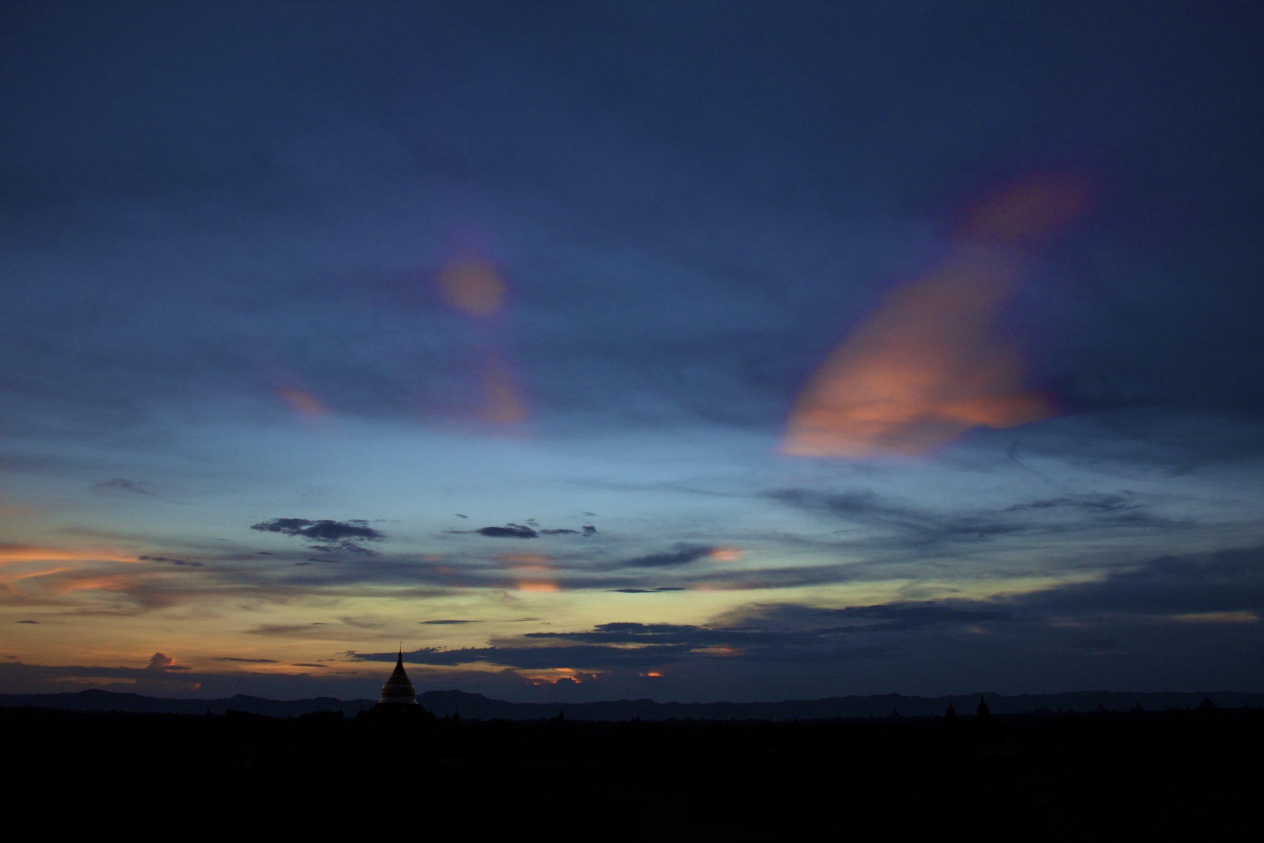 bagan burma myanmar temples sunset 11.jpg