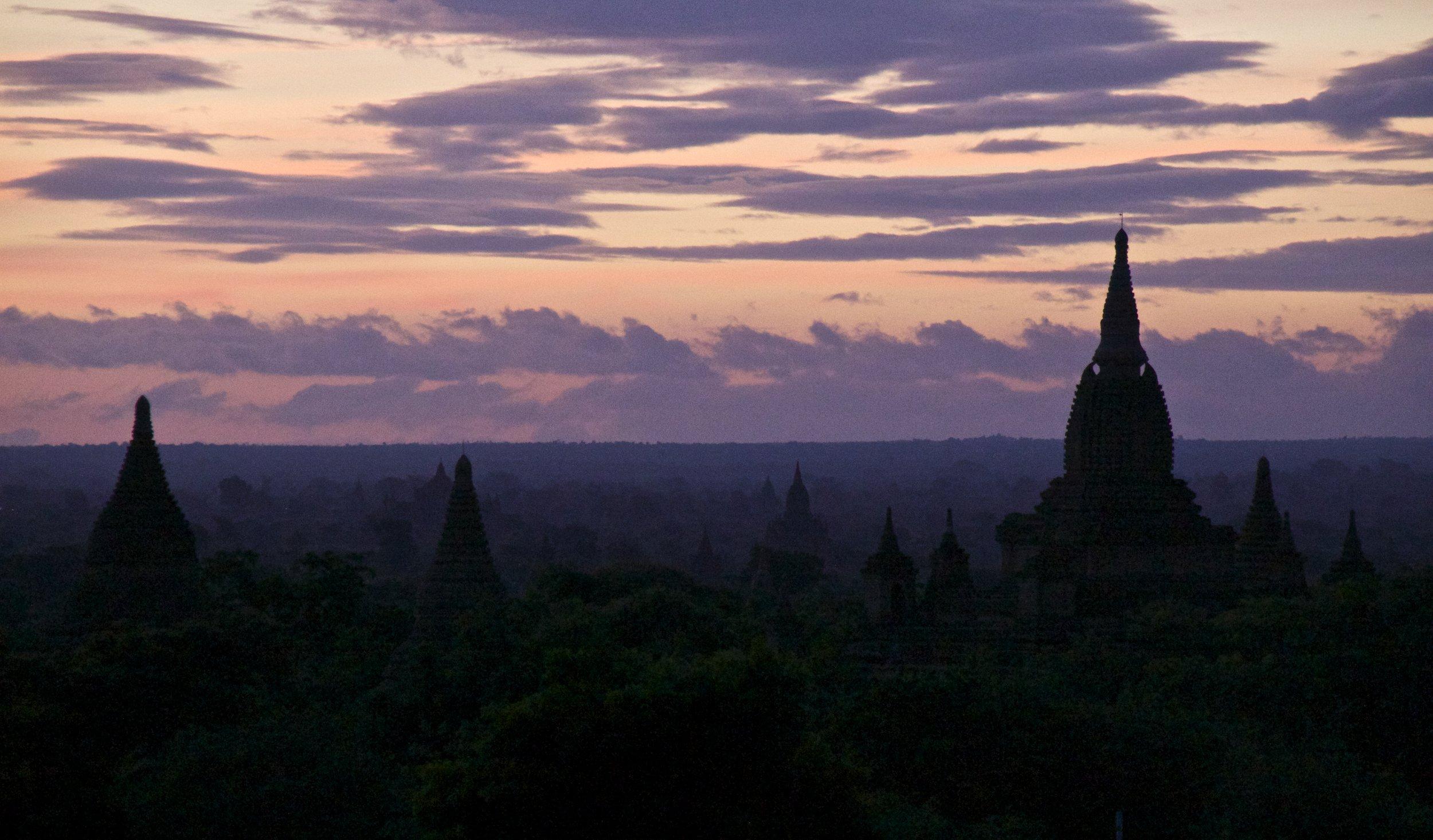 bagan burma myanmar temples sunrise 8.jpg