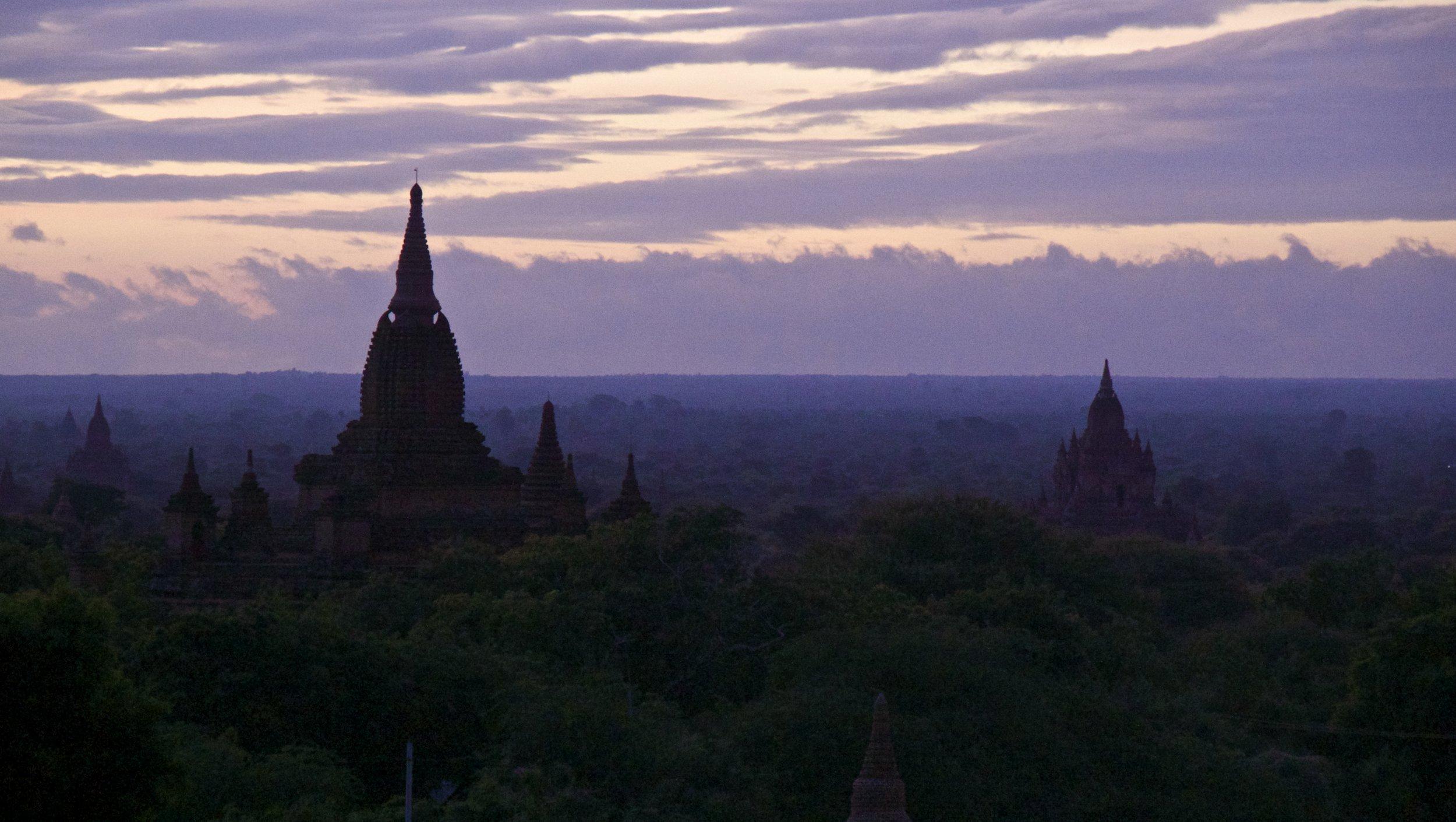 bagan burma myanmar temples sunrise 9.jpg