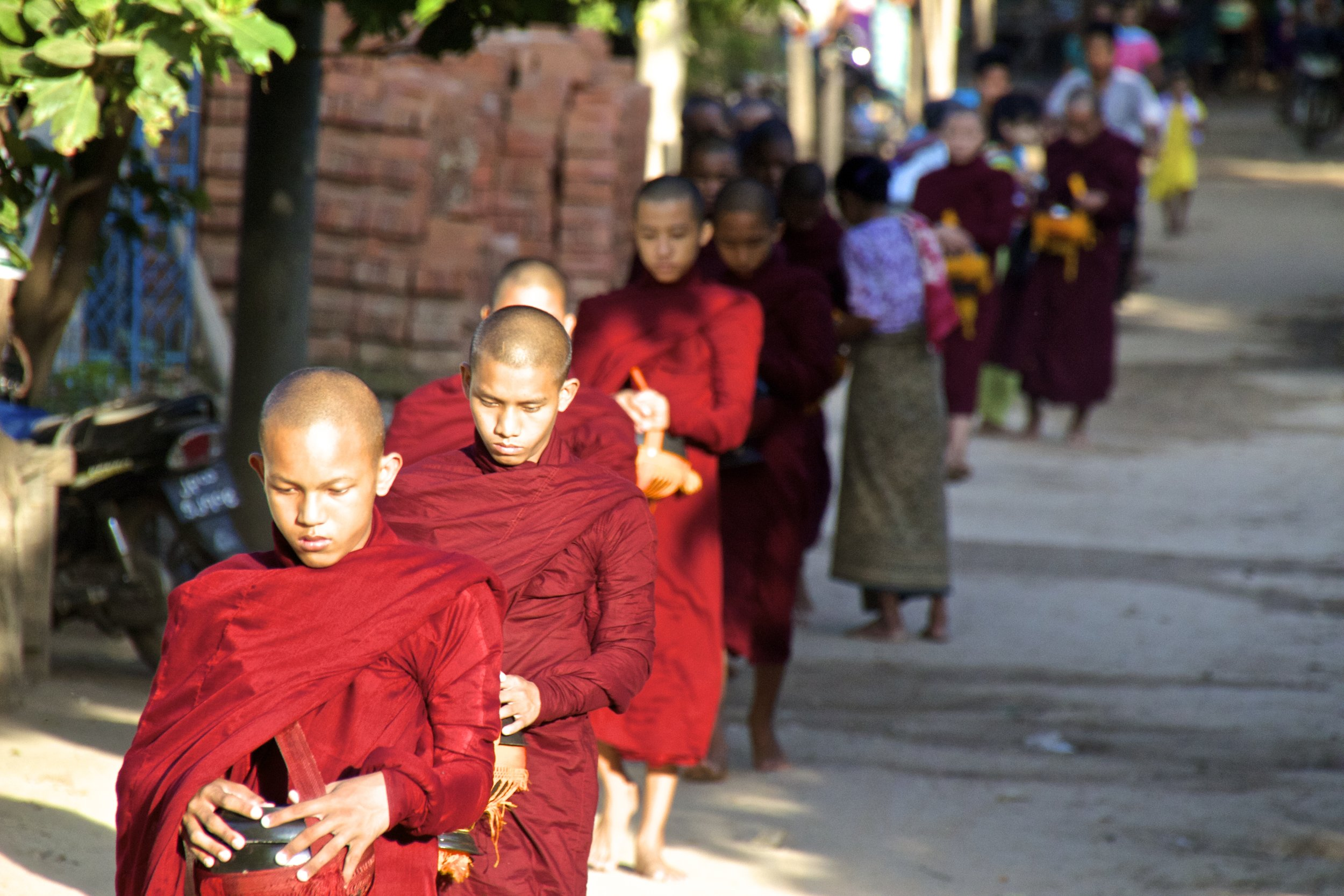 bagan burma myanmar buddhist monks alms 4.jpg