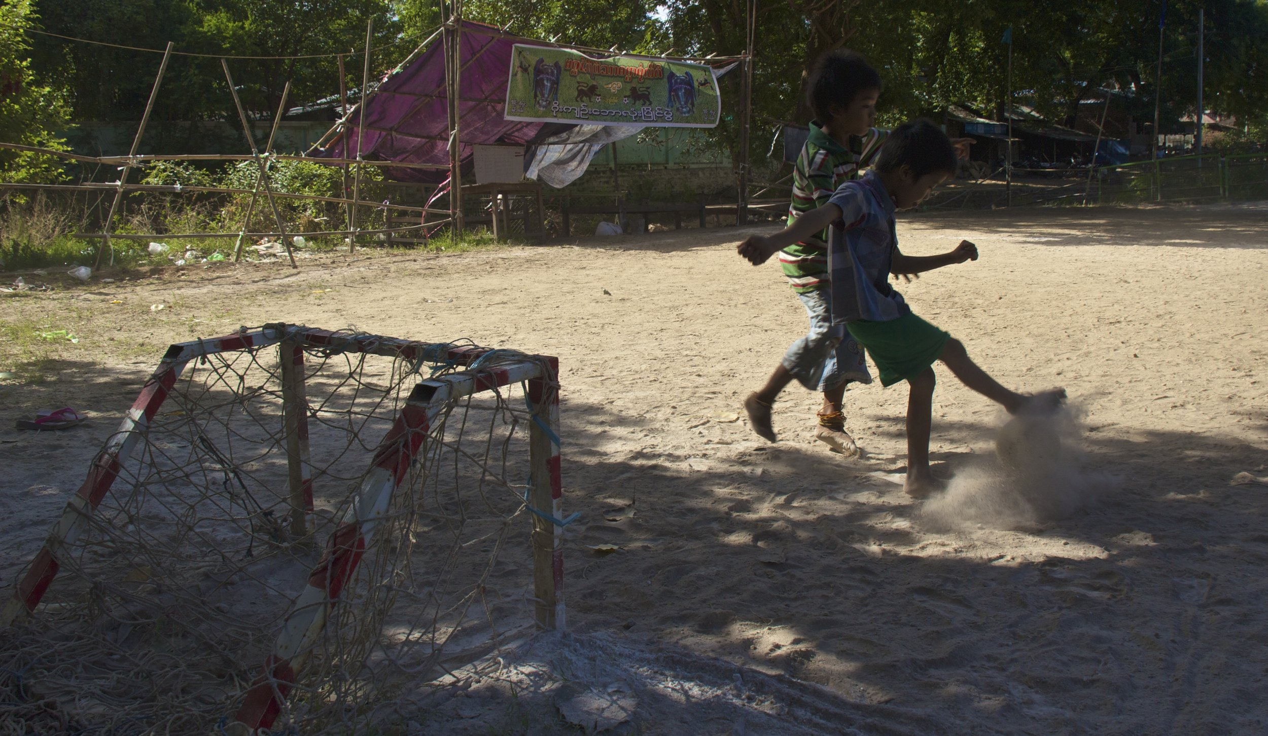bagan burma myanmar burmese children soccer football 2.jpg