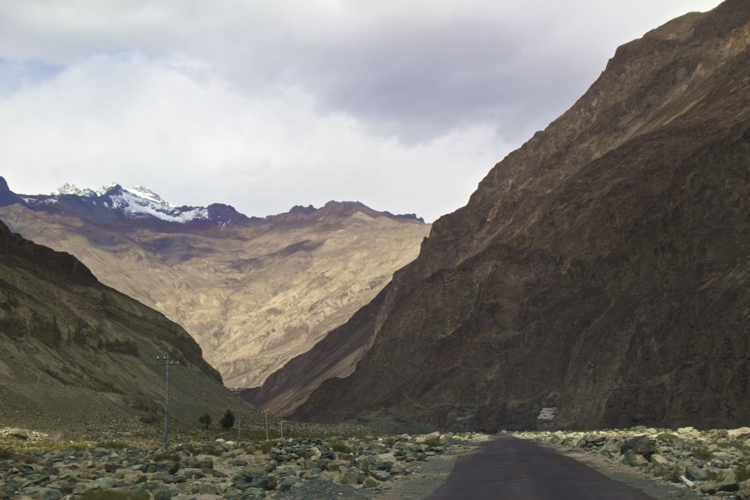 kashmir gilgit baltistan roads 3.jpg