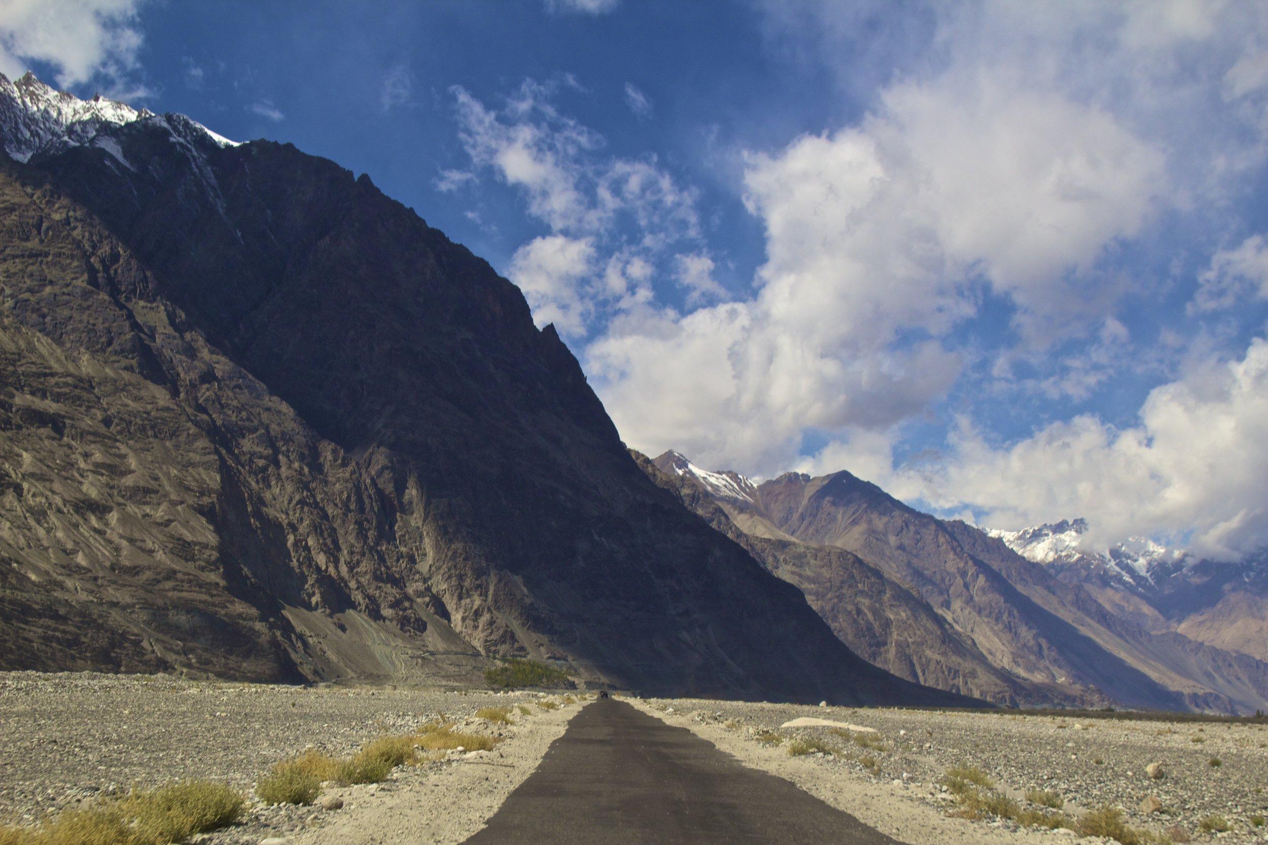 Nubra Valley Ladakh Kashmir Indian Himalayas Roads 4.jpg