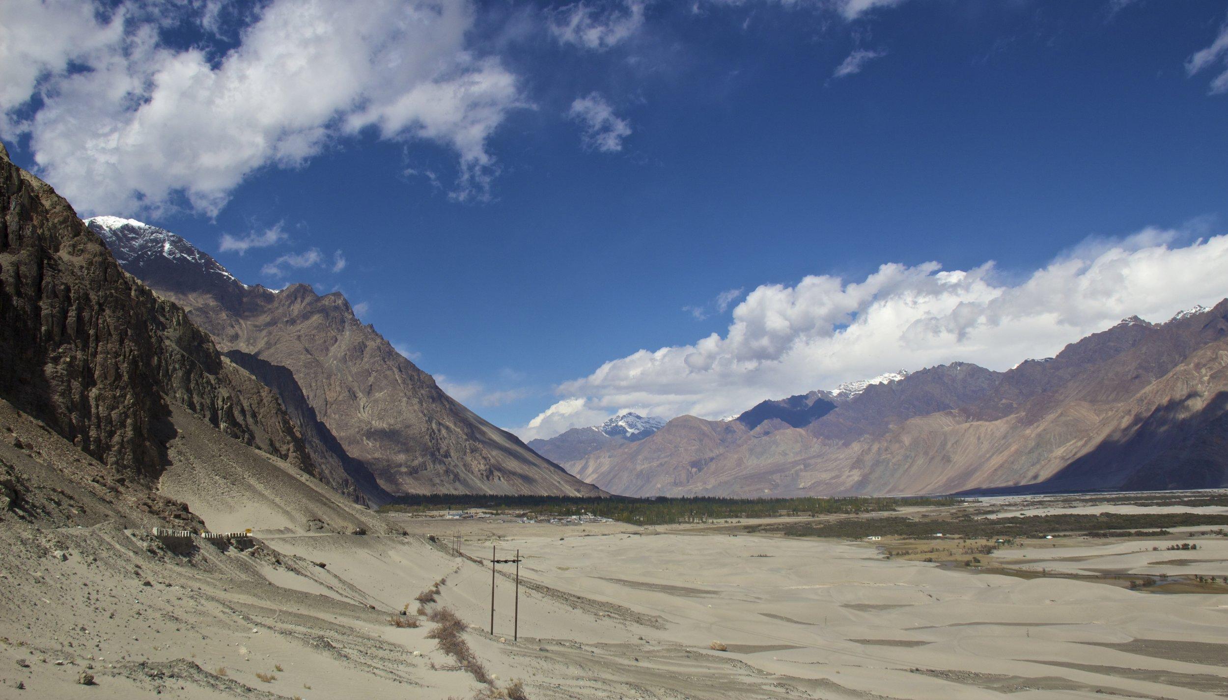 Nubra Valley Ladakh Kashmir Indian Himalayas Roads 9.jpg