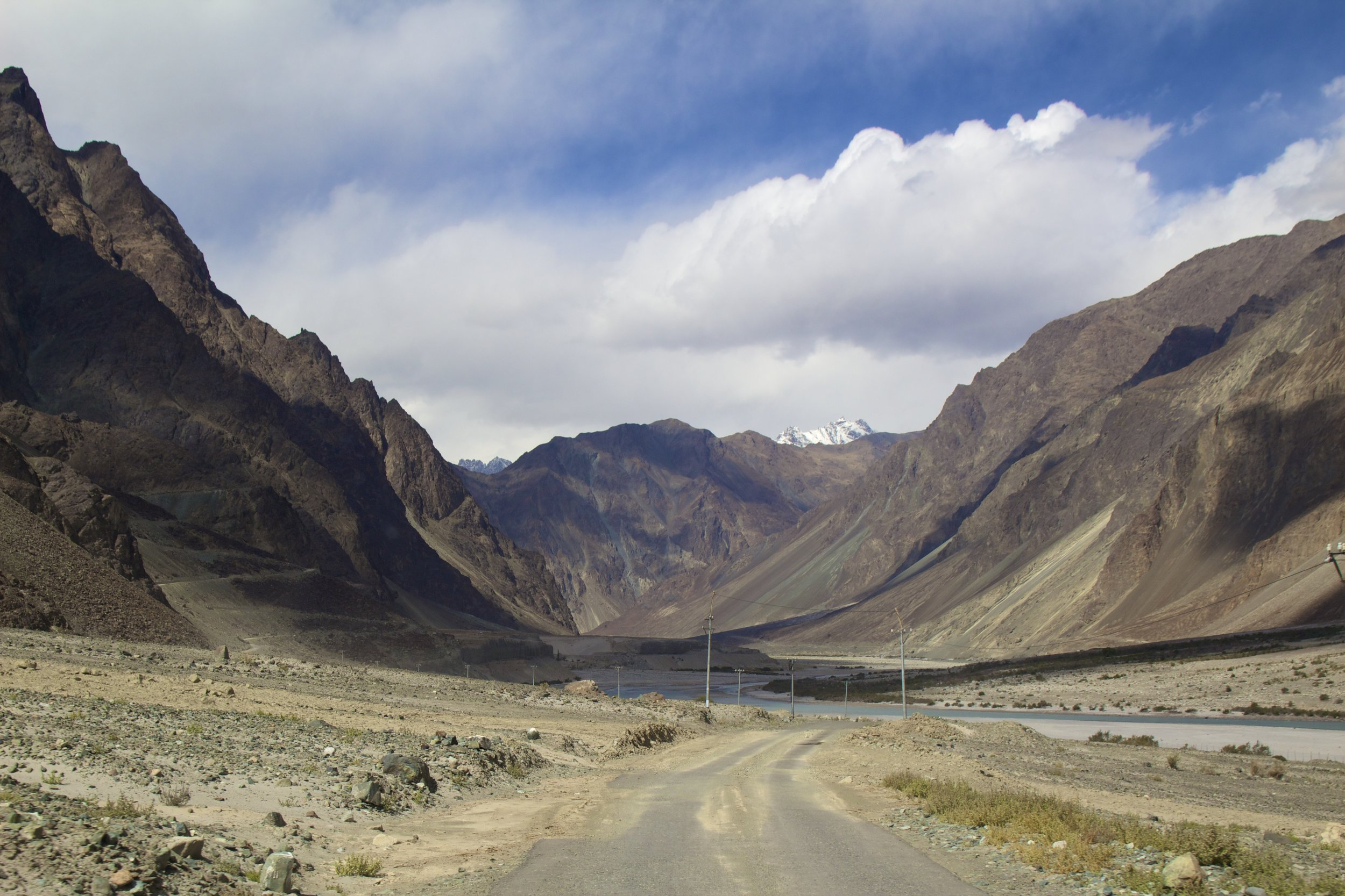 Nubra Valley Ladakh Kashmir Indian Himalayas Roads 13.jpg