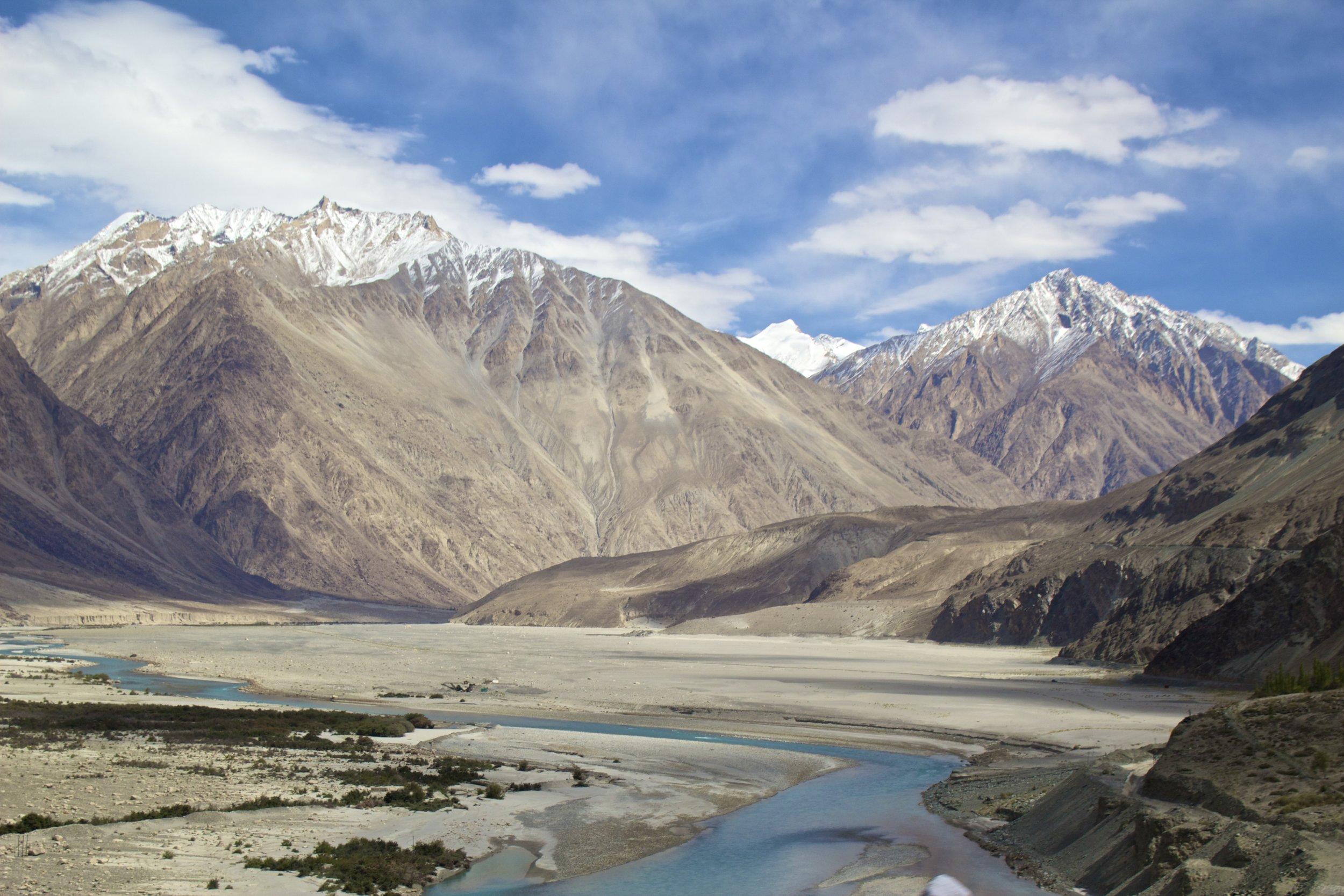Shyok River Ladakh Gilgit Baltistan Indian Himalayas Nubra Valley 3.jpg