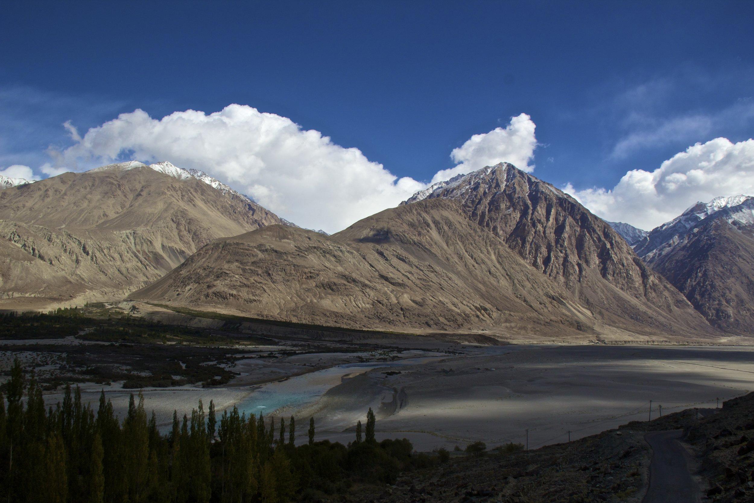 Shyok River Ladakh Gilgit Baltistan Indian Himalayas Nubra Valley 1.jpg