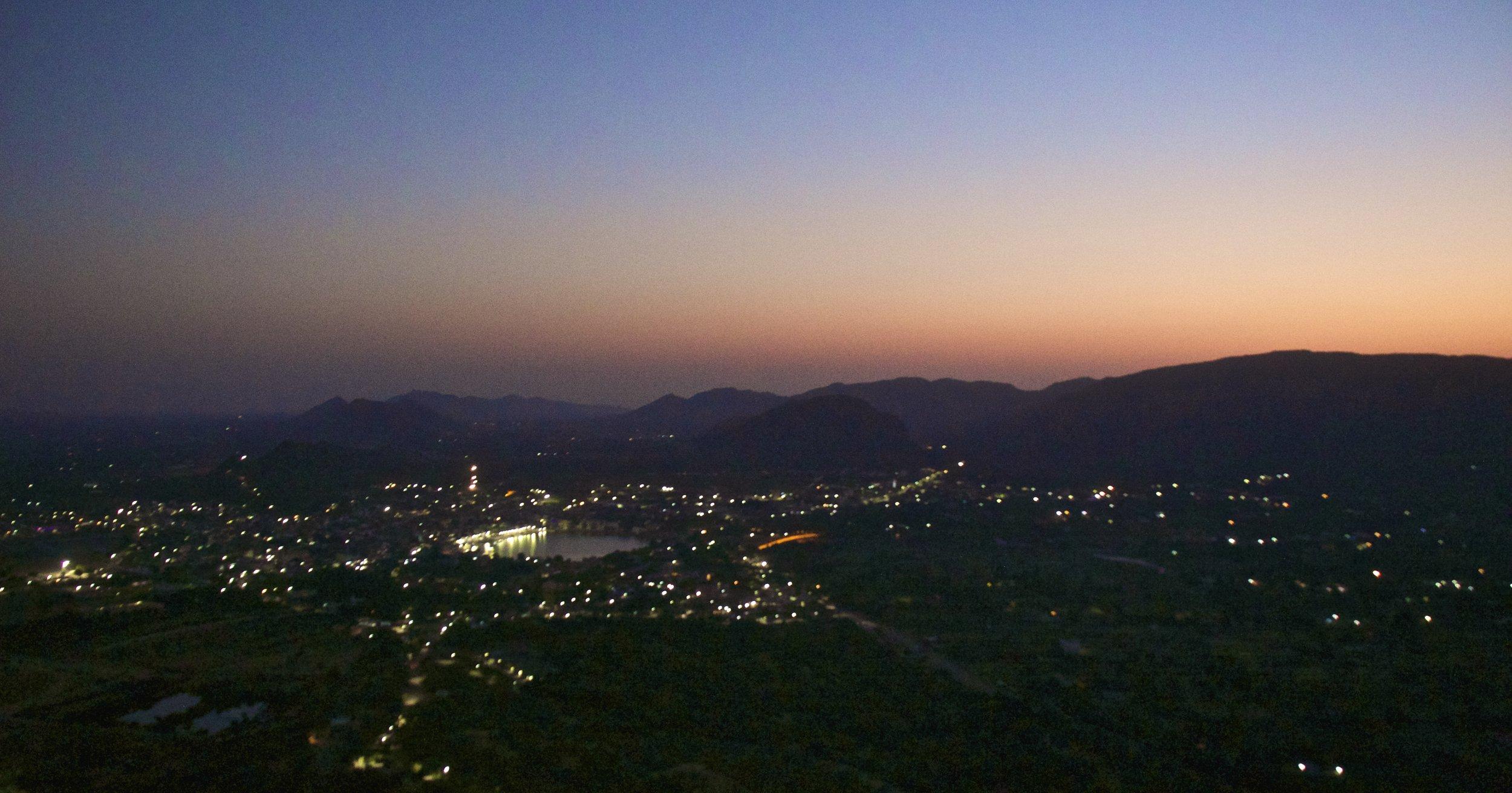 pushkar rajasthan mountain top sunrise 1.jpg