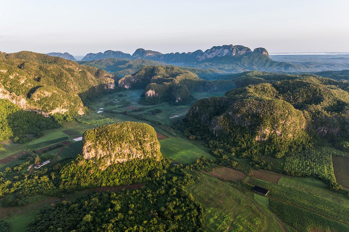 Credit: http://informacionaldesnudo.com/cuba-que-linda-es-cuba-first-aerial-photographs-reveal-islands-spectacular-beauty-cuba-unseen/