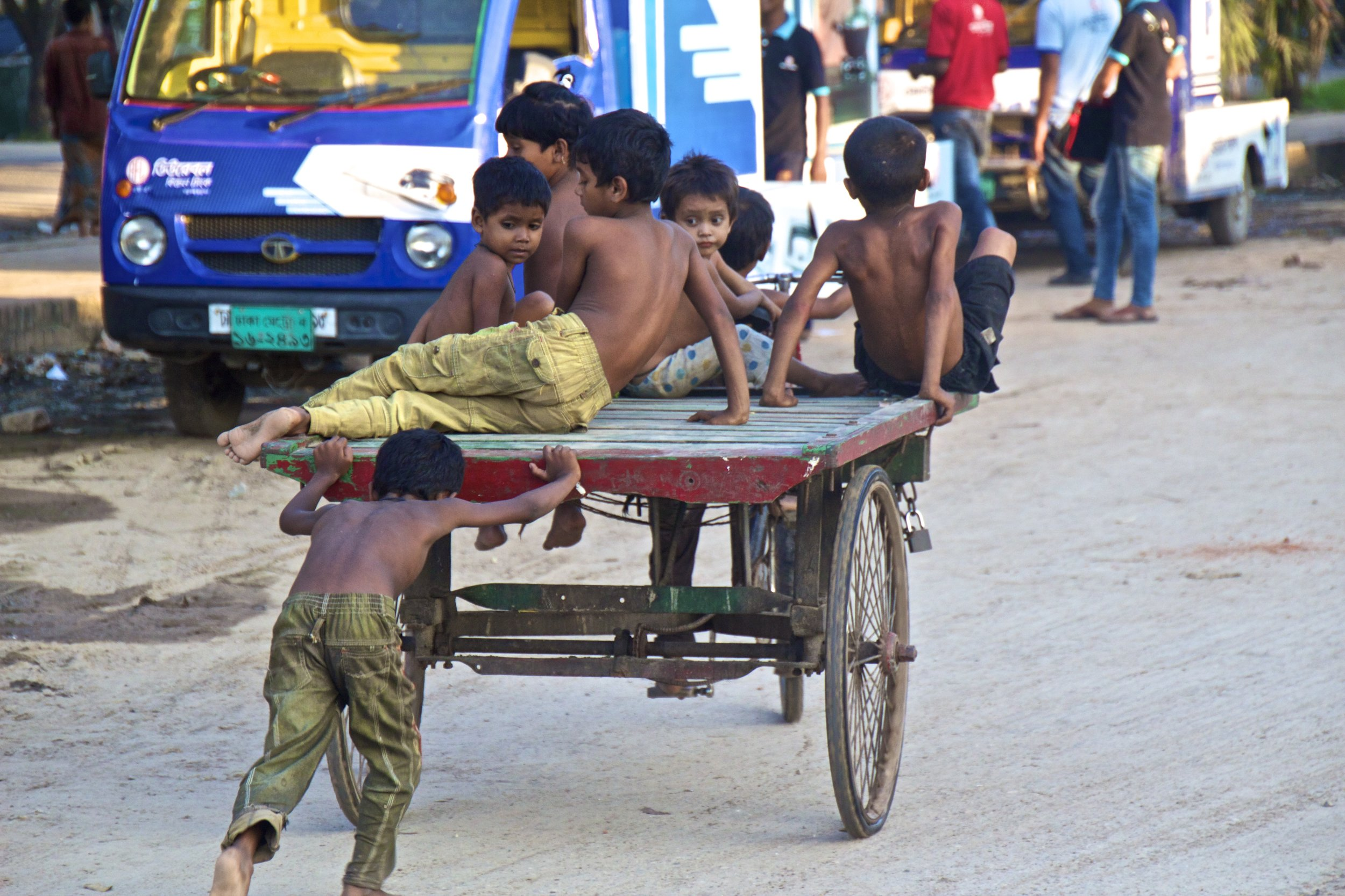 rayer bazar dhaka bangladesh roads 3.jpg