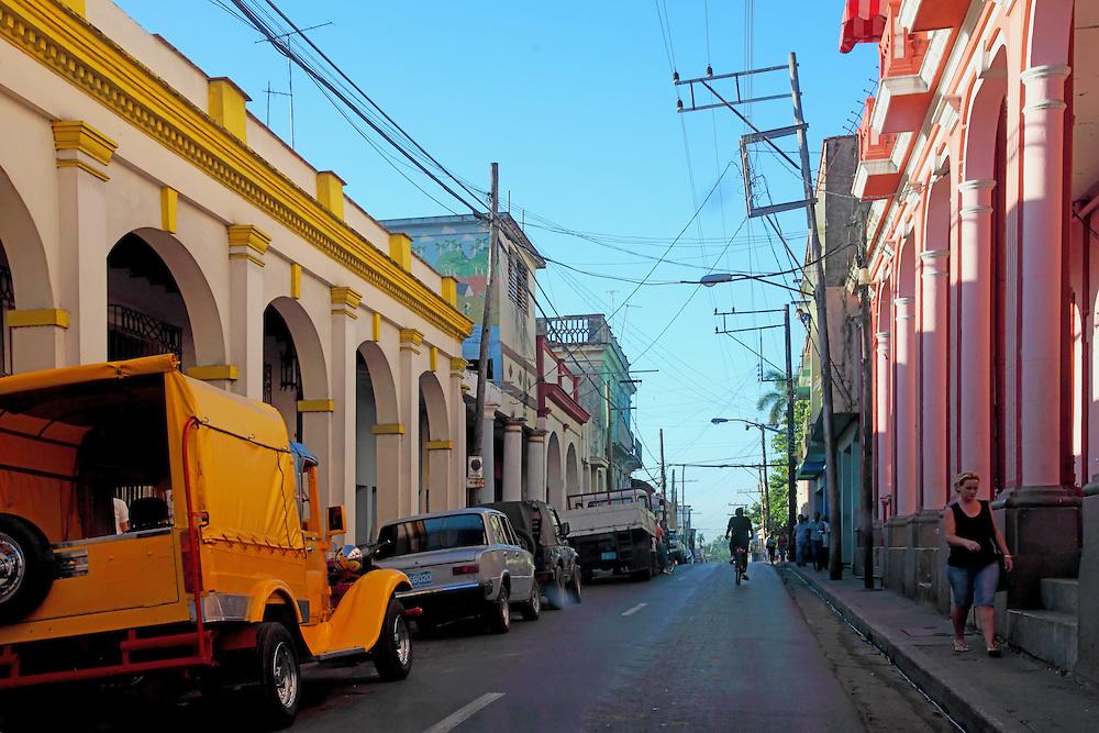 Credit:http://cdn.c.photoshelter.com/img-get2/I0000AjySQWLd0ro/fit=1000x750/Pinar-del-Rio-city-Cuba-054.jpg