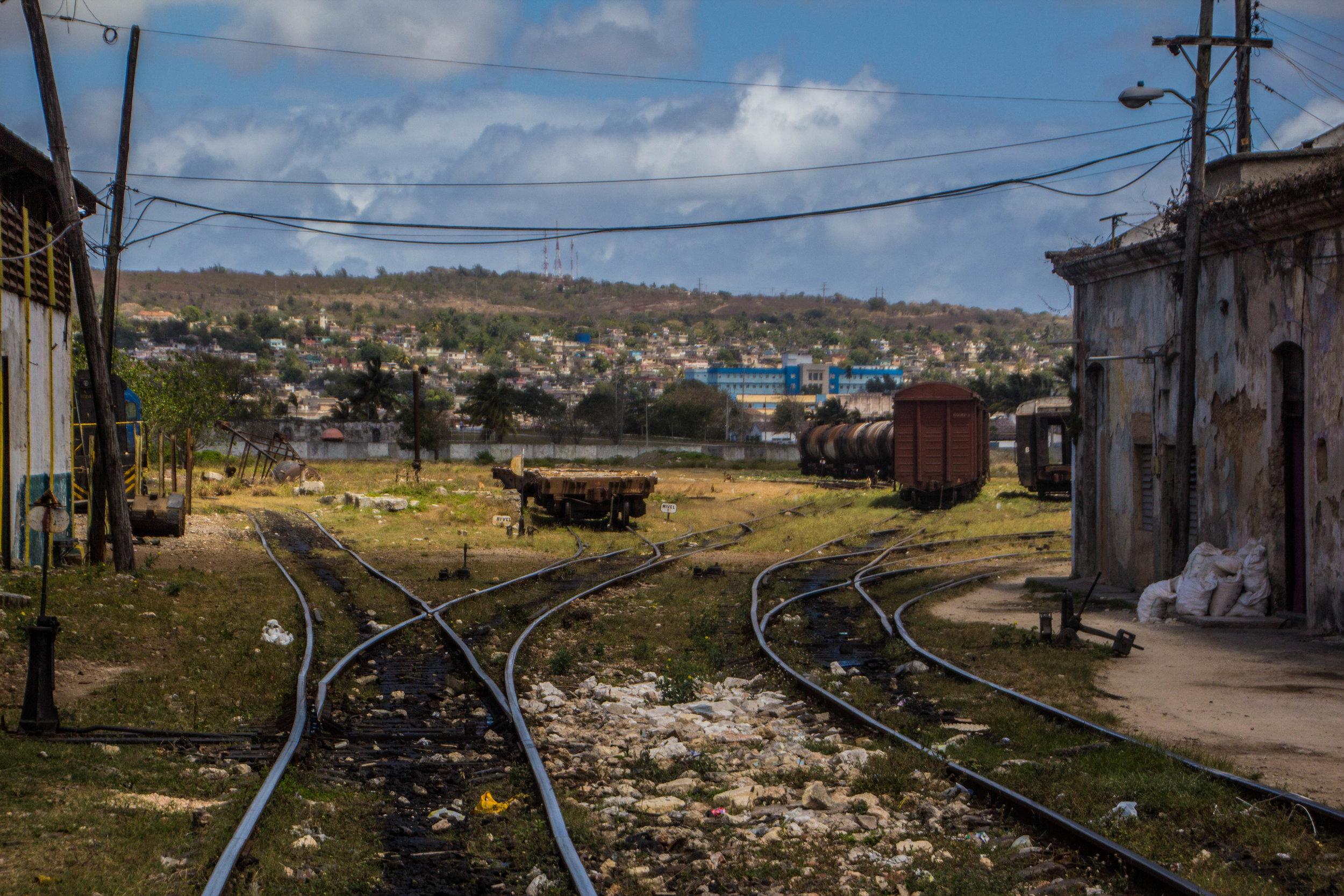 train tracks matanzas cuba-1.jpg