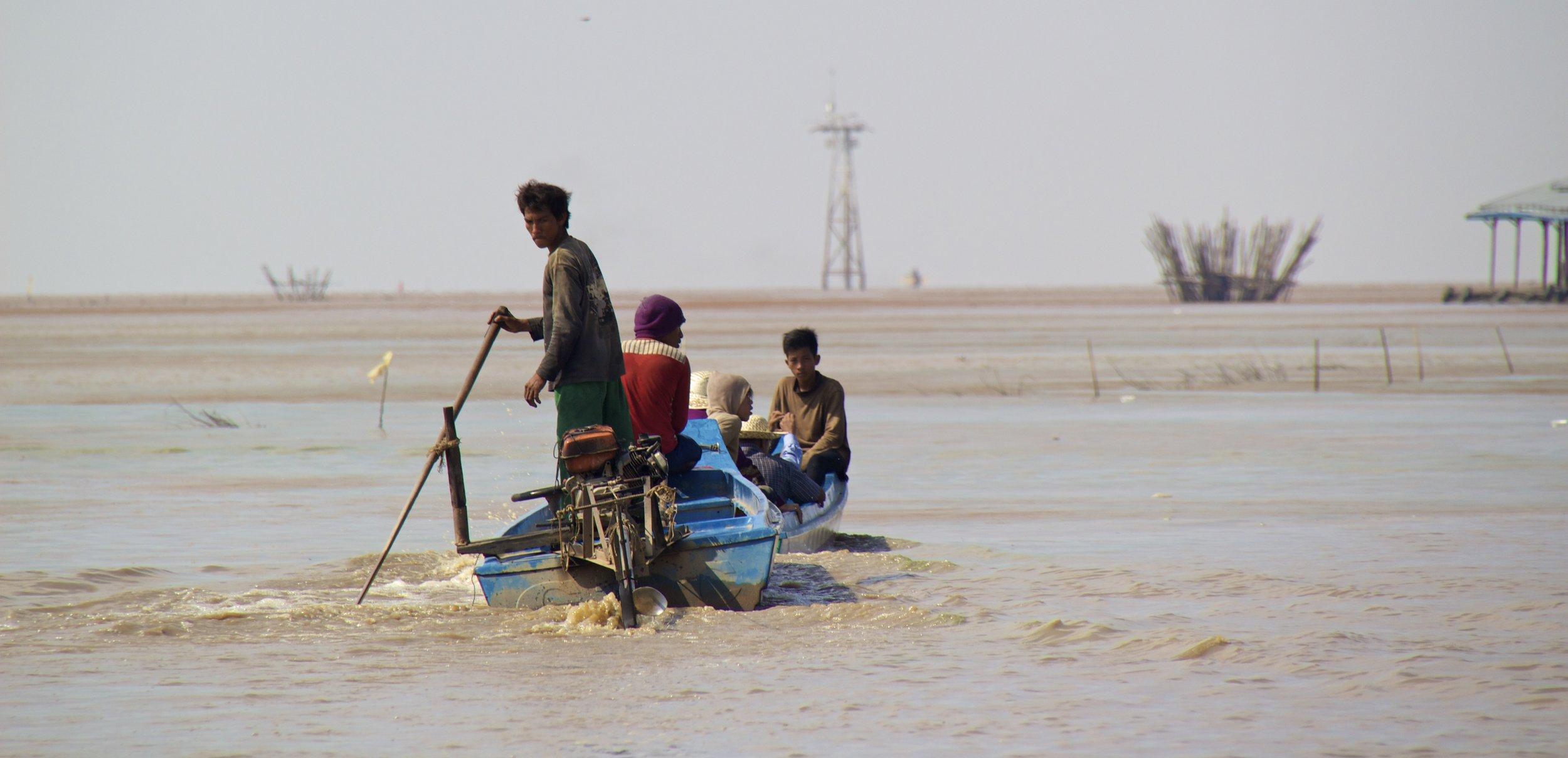 tonle sap siem reap cambodia floating villages 9.jpg