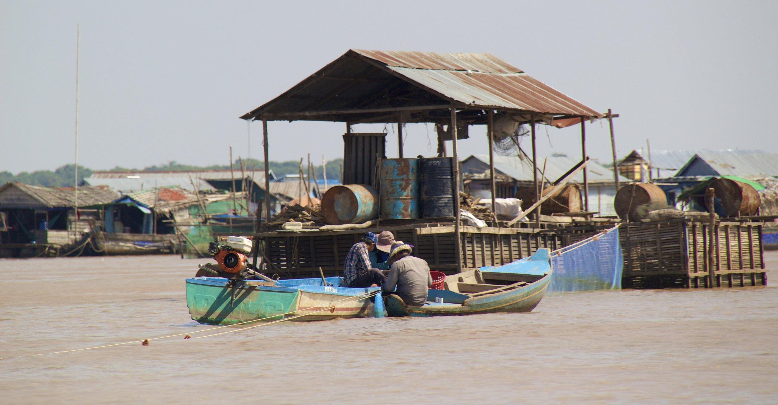 tonle sap siem reap cambodia floating villages 12.jpg