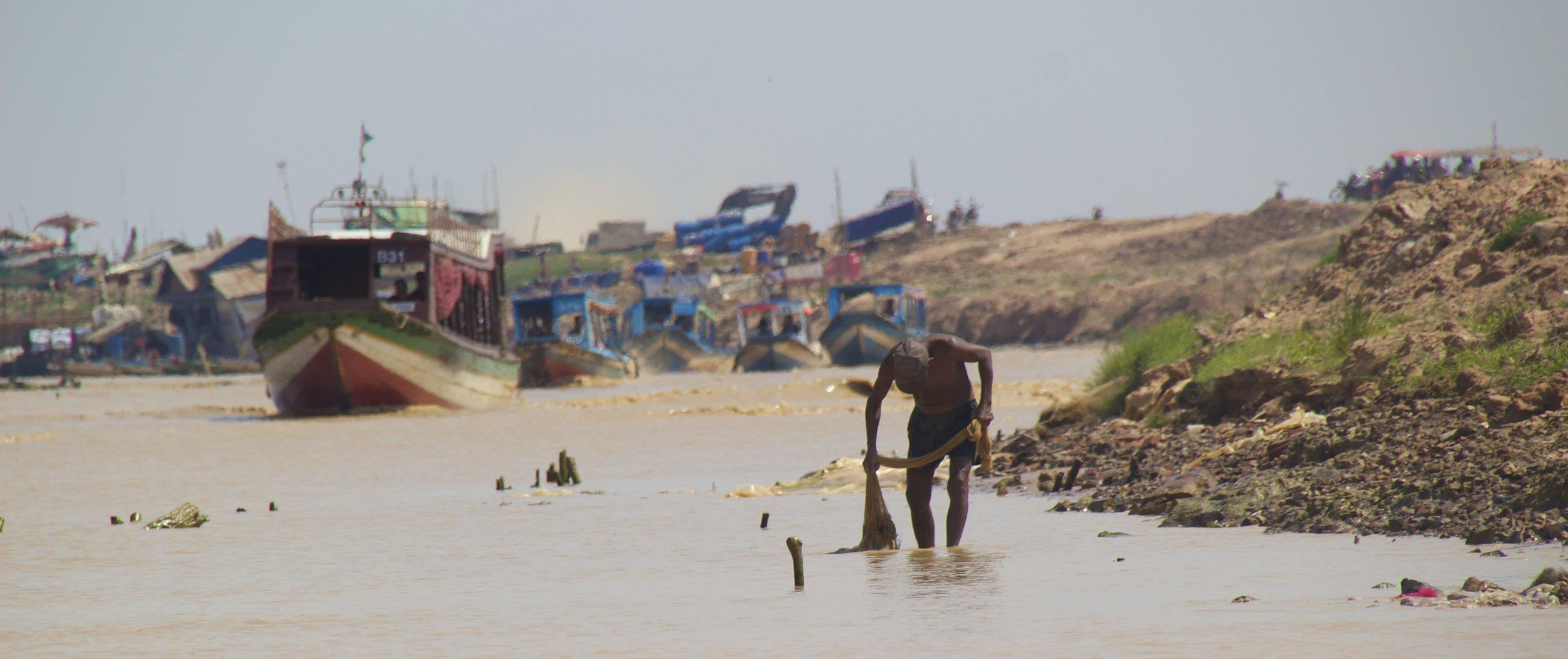 tonle sap siem reap cambodia floating villages 18.jpg