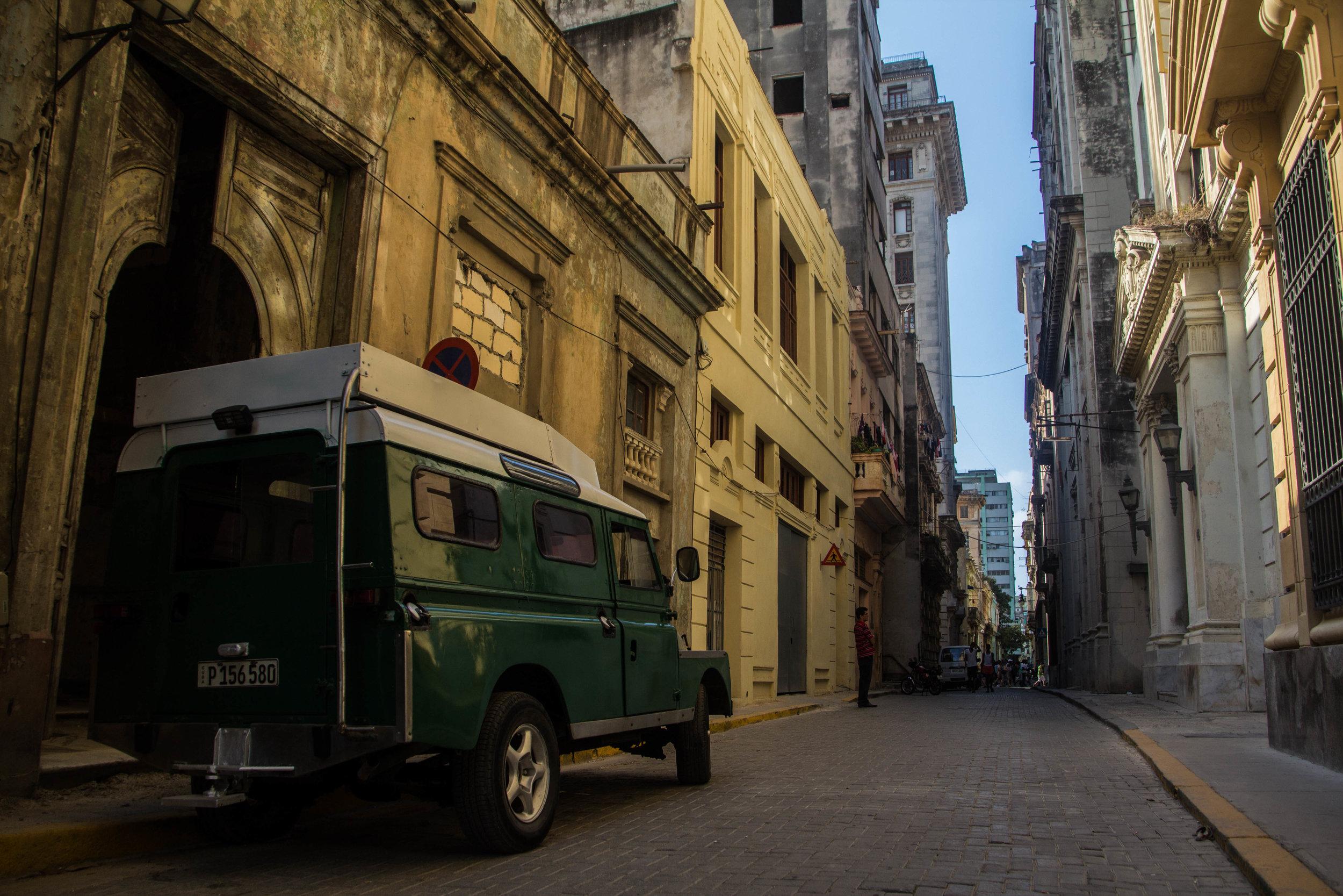 streets old havana cuba-1-2-2.jpg