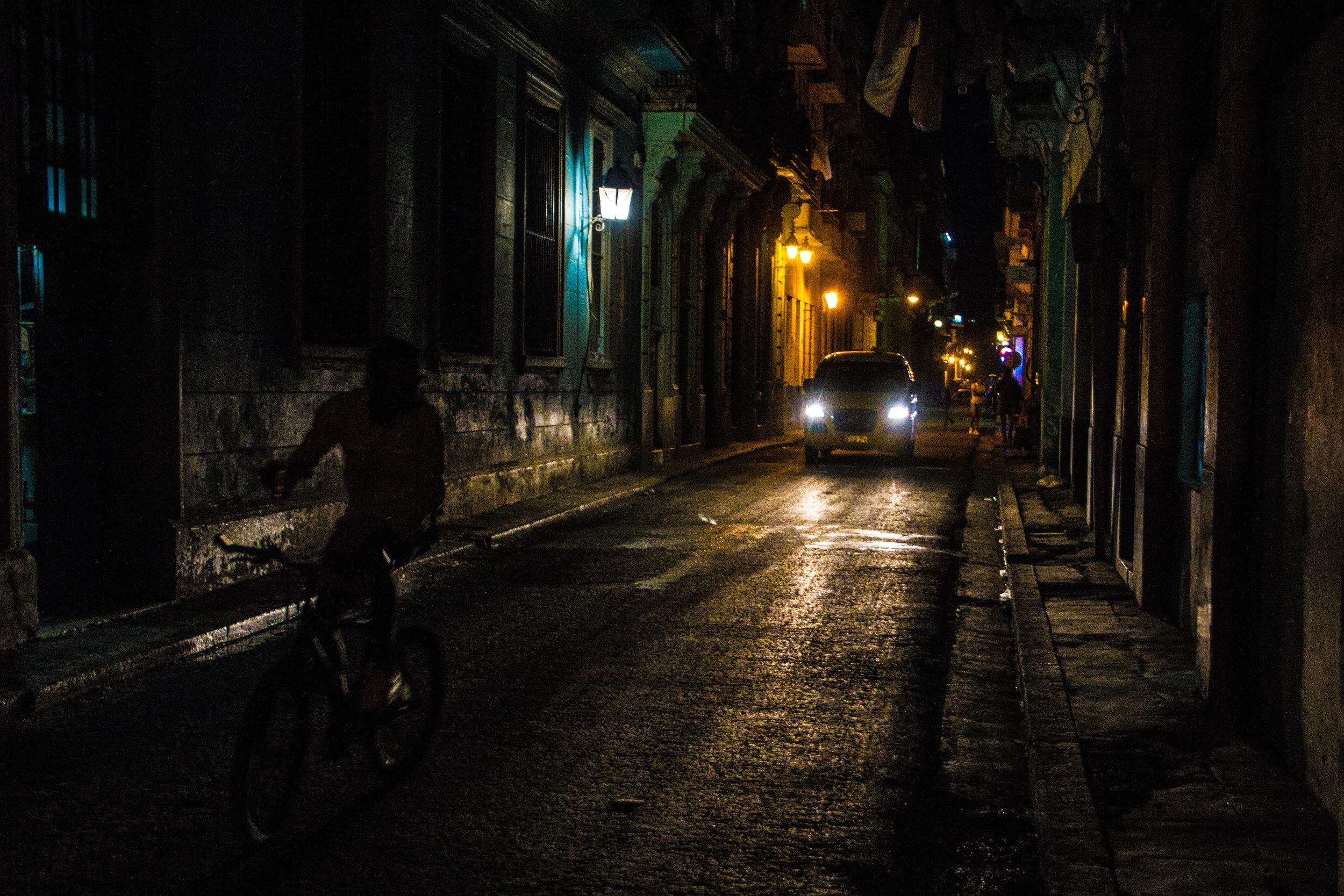 havana cuba streets at night-1-2.jpg