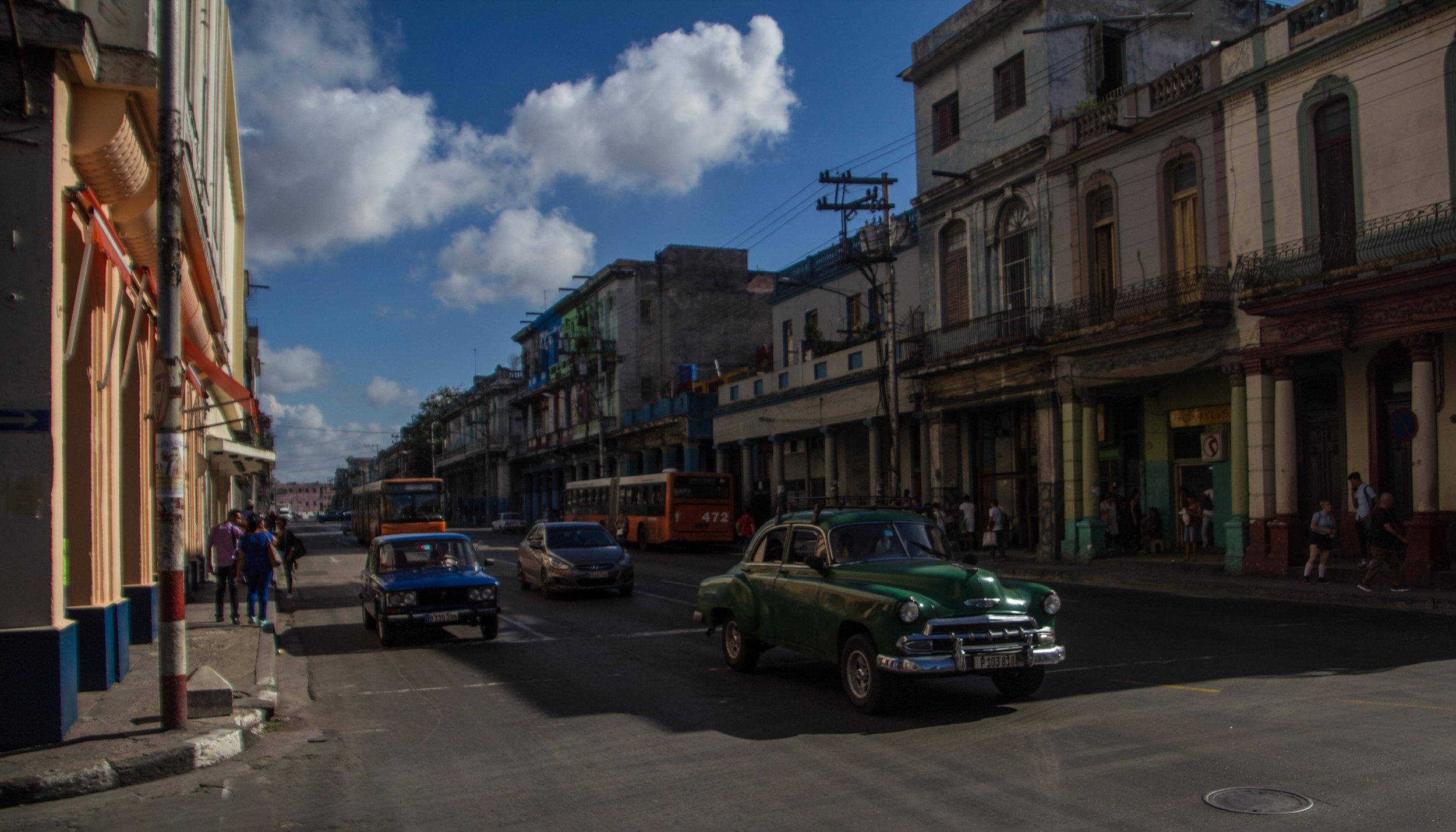 vedado havana cuba streets-1-3.jpg