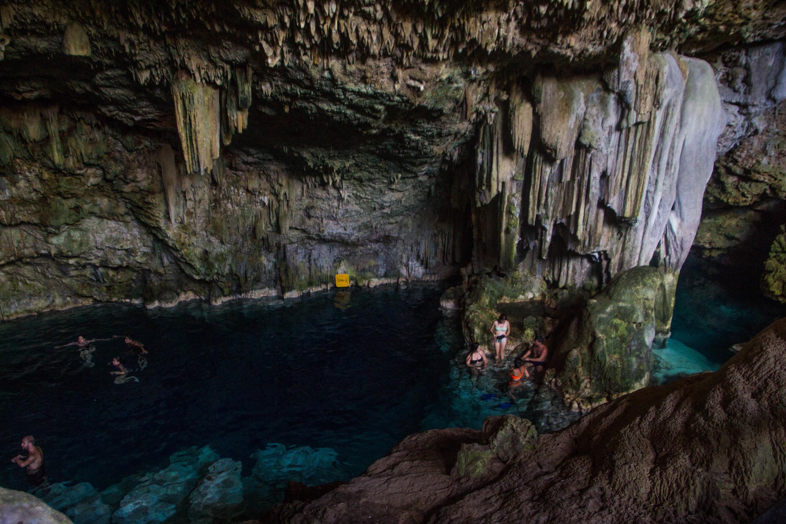 cueva saturna cuba-1-2.jpg