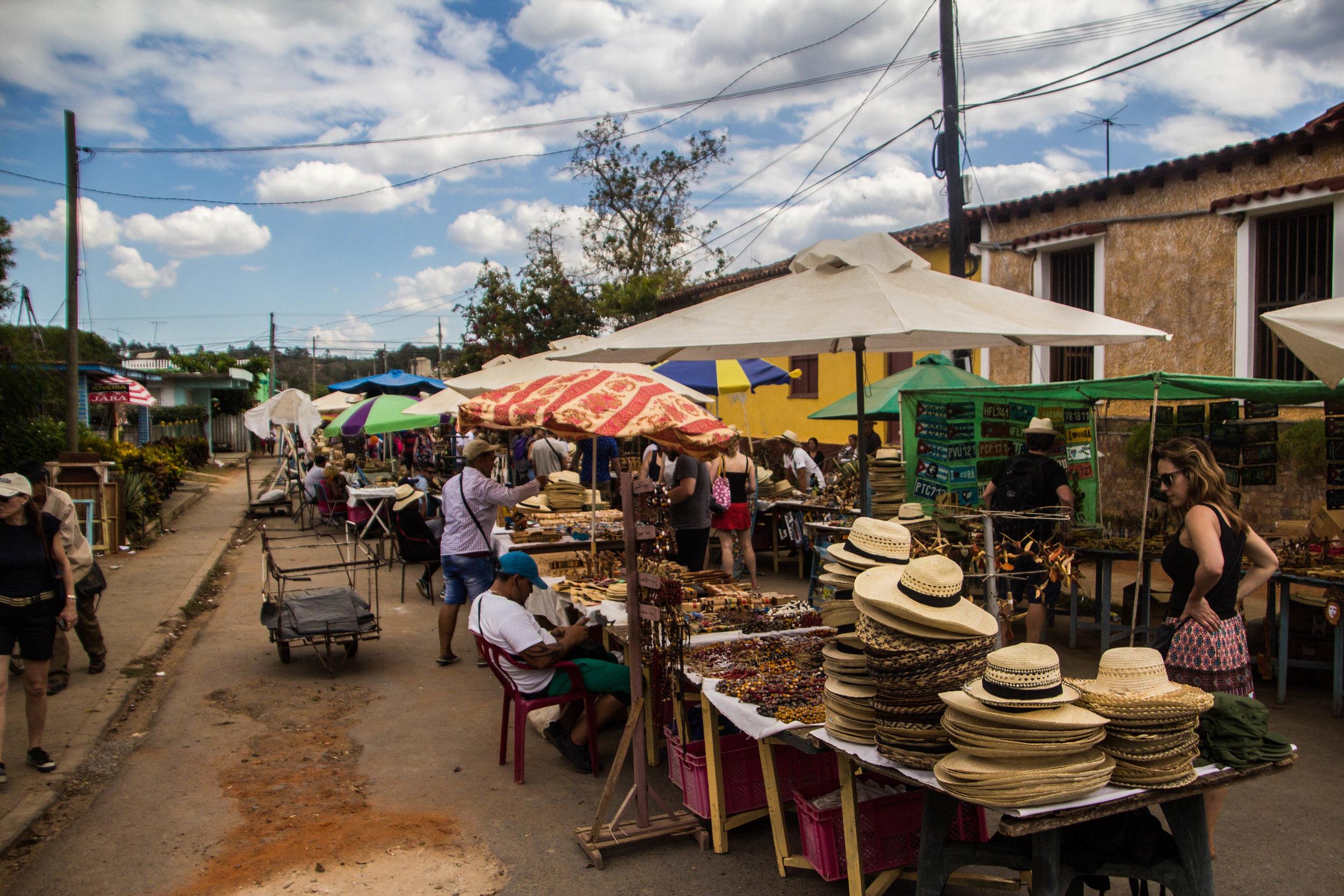 tourist market viñales town cuba-1-3.jpg