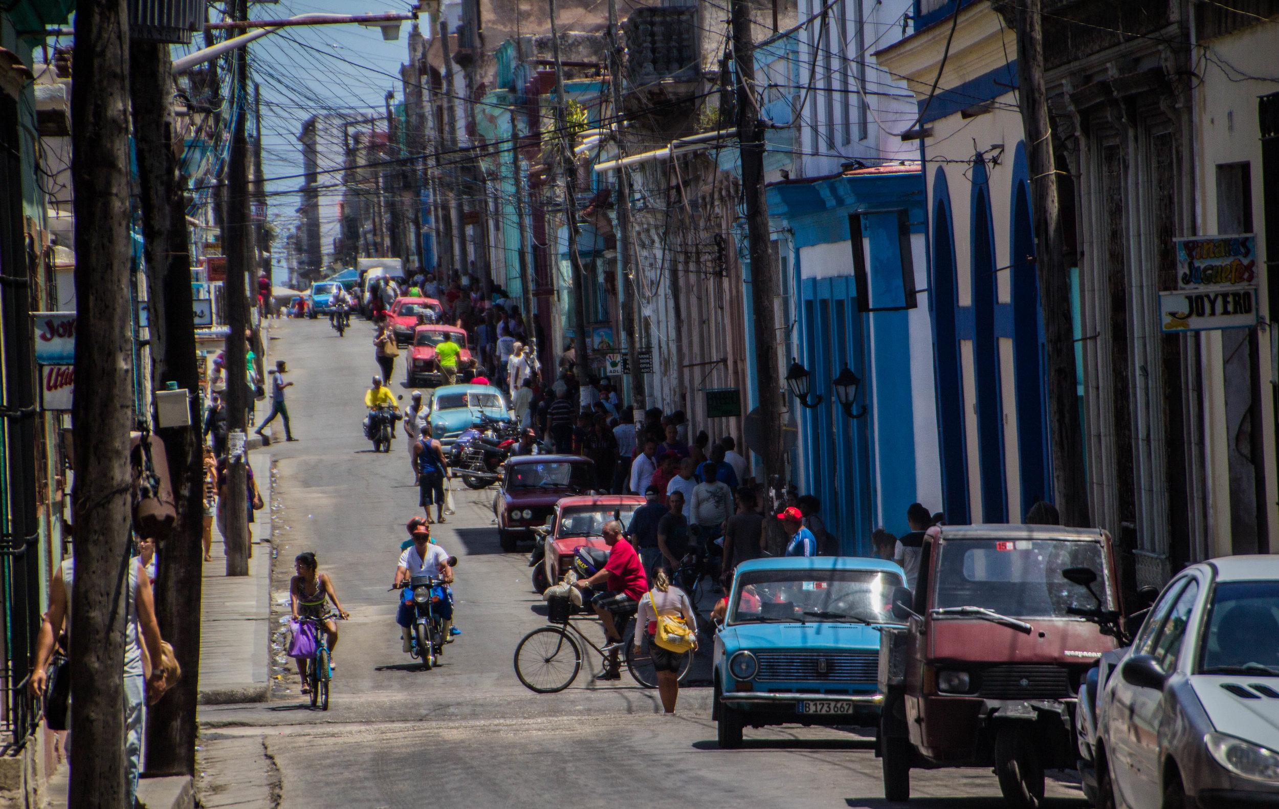 matanzas cuba streets cars-1-2-2.jpg