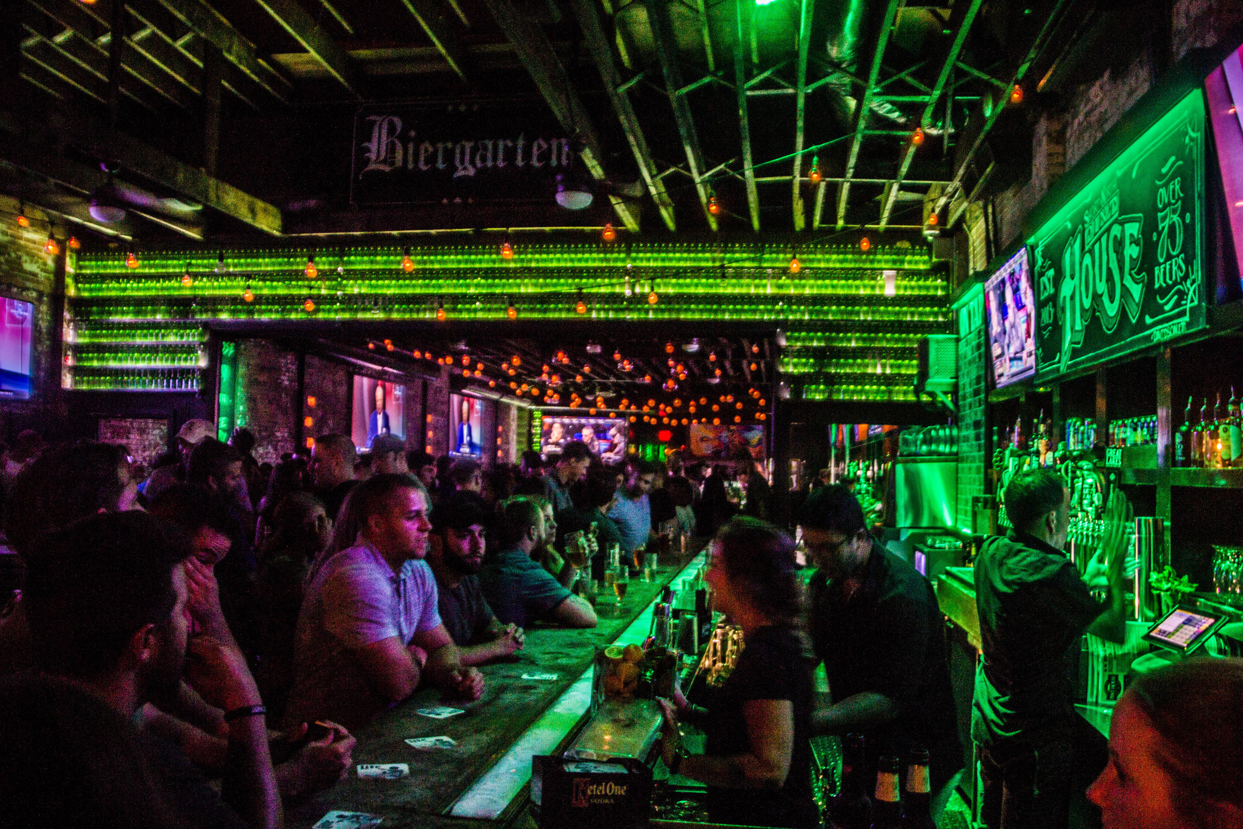 pint-house-columbus-ohio-bars-3.jpg