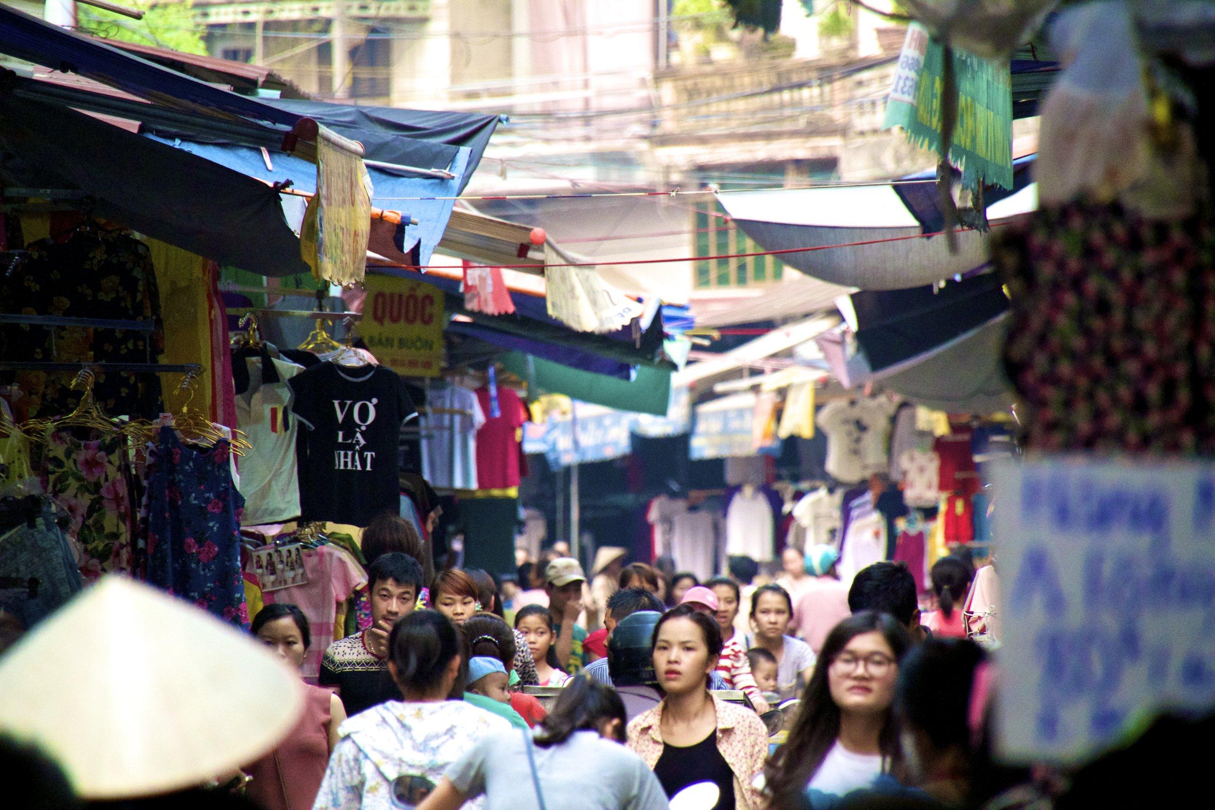 Bac Ninh Vietnam clothes market 3.jpg