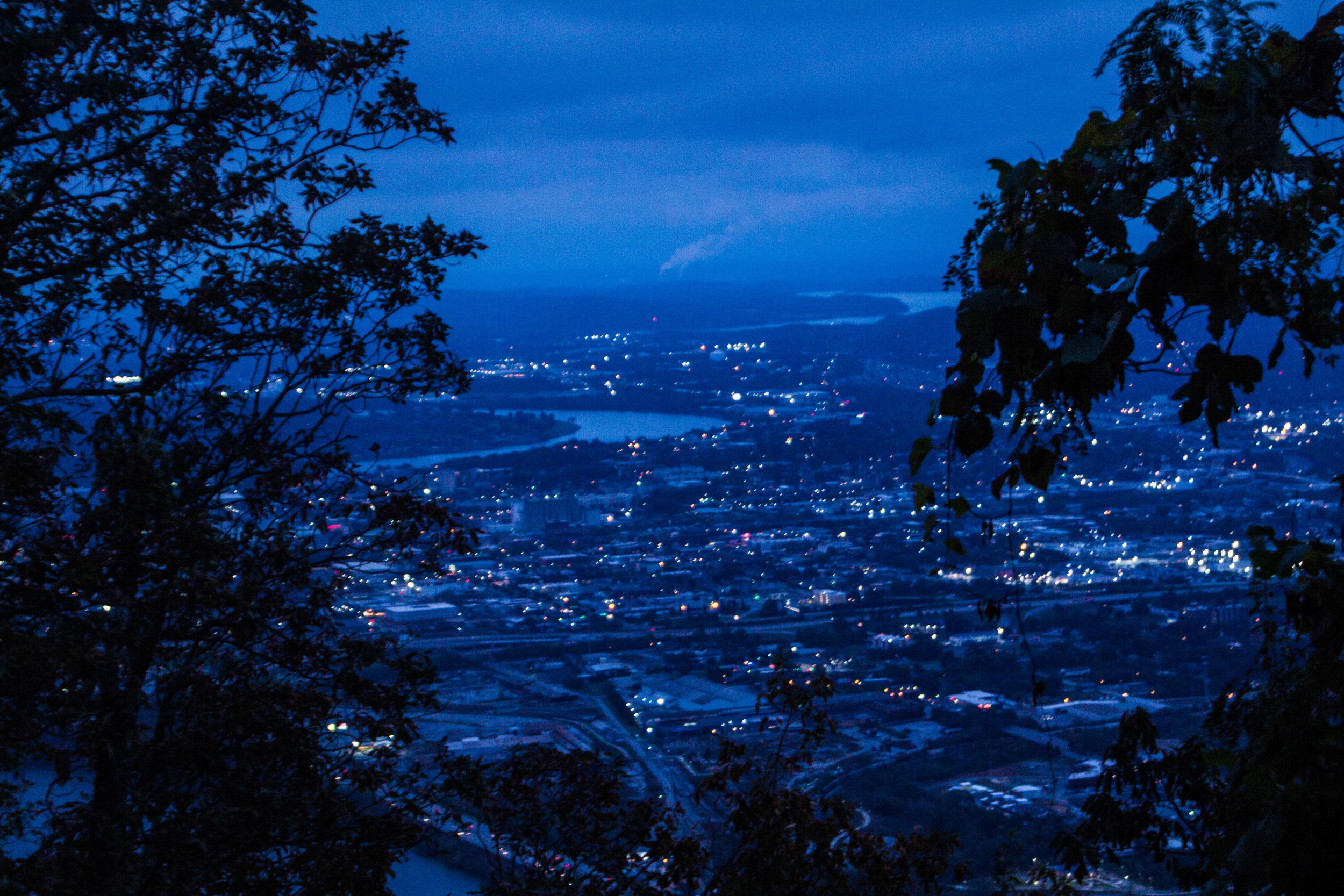 point-park-lookout-mountain-chattanooga-at-night-3.jpg