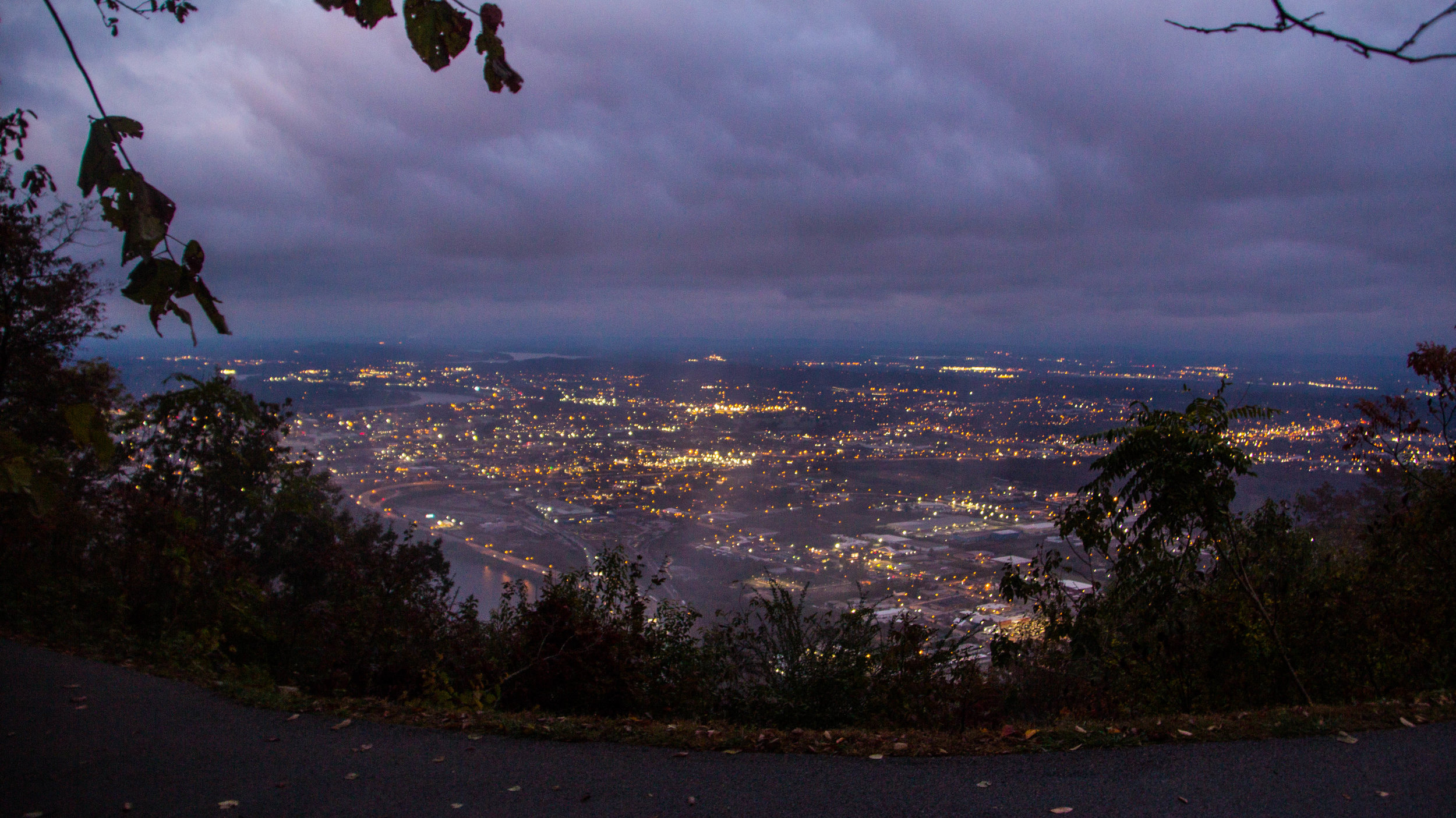 point-park-lookout-mountain-chattanooga-at-night-8.jpg