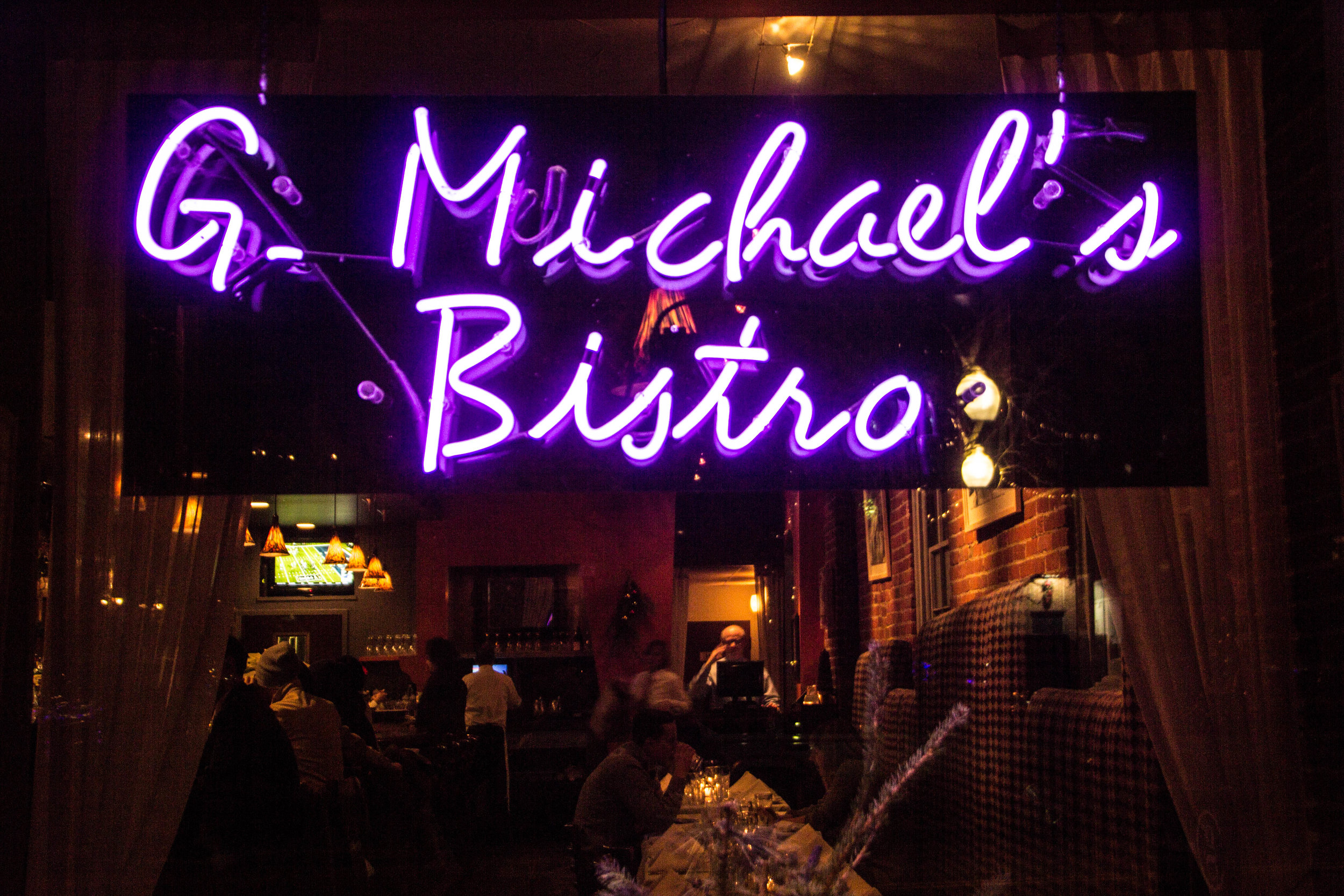 g-michaels-bistro-columbus-restaurants-2.jpg
