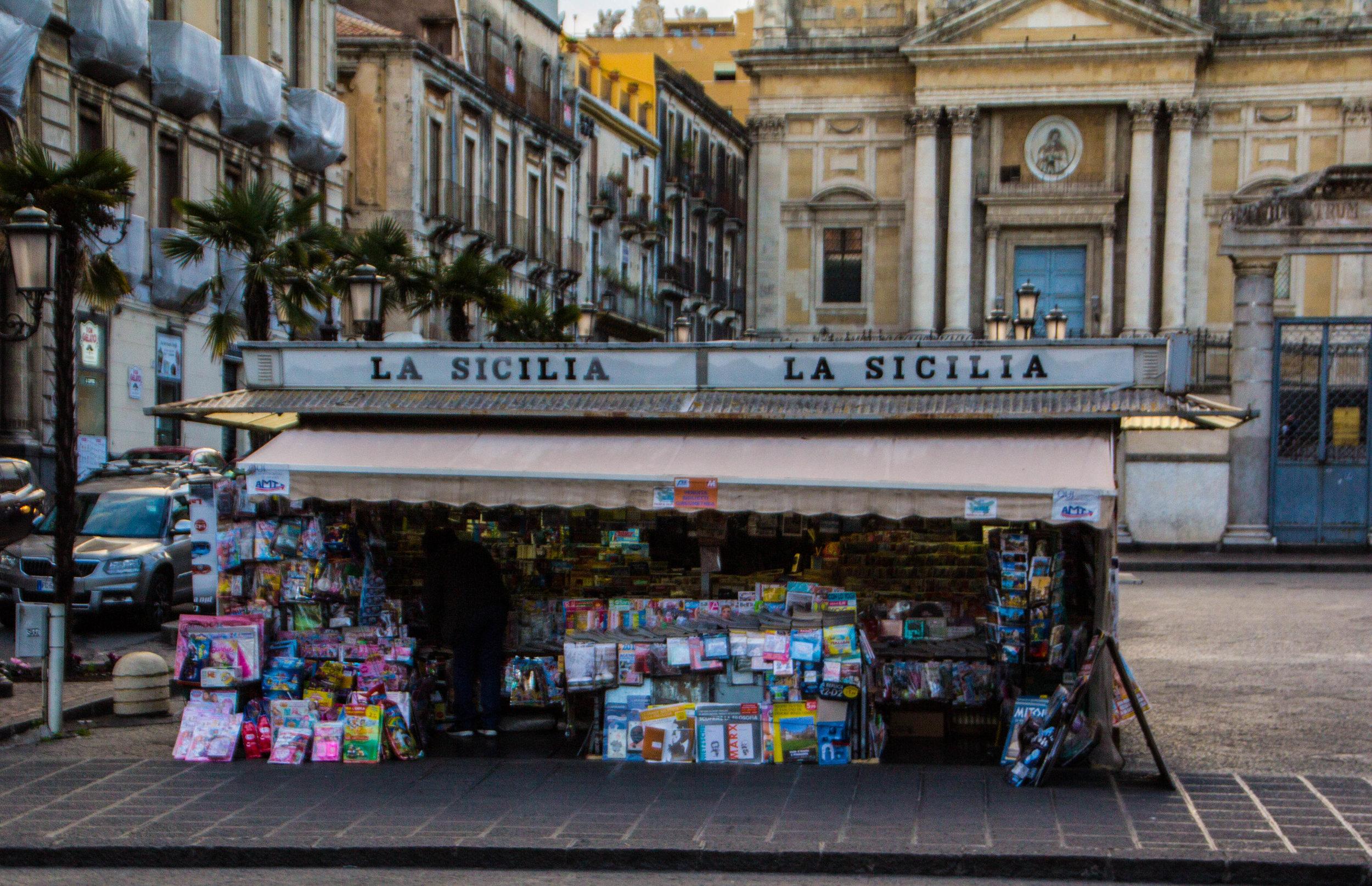 streets-catania-sicily-sicilia-11.jpg