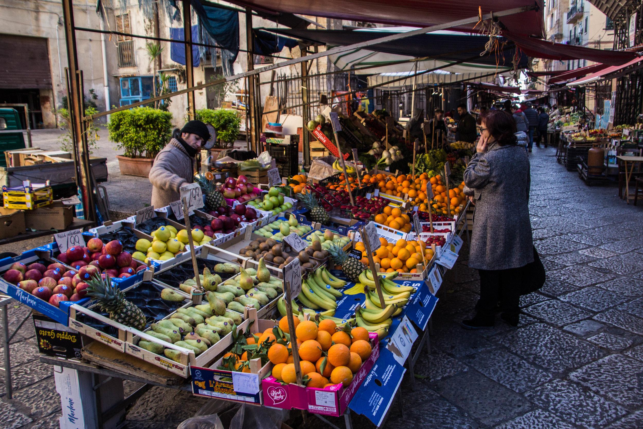 street-markets-palermo-sicily-6.jpg