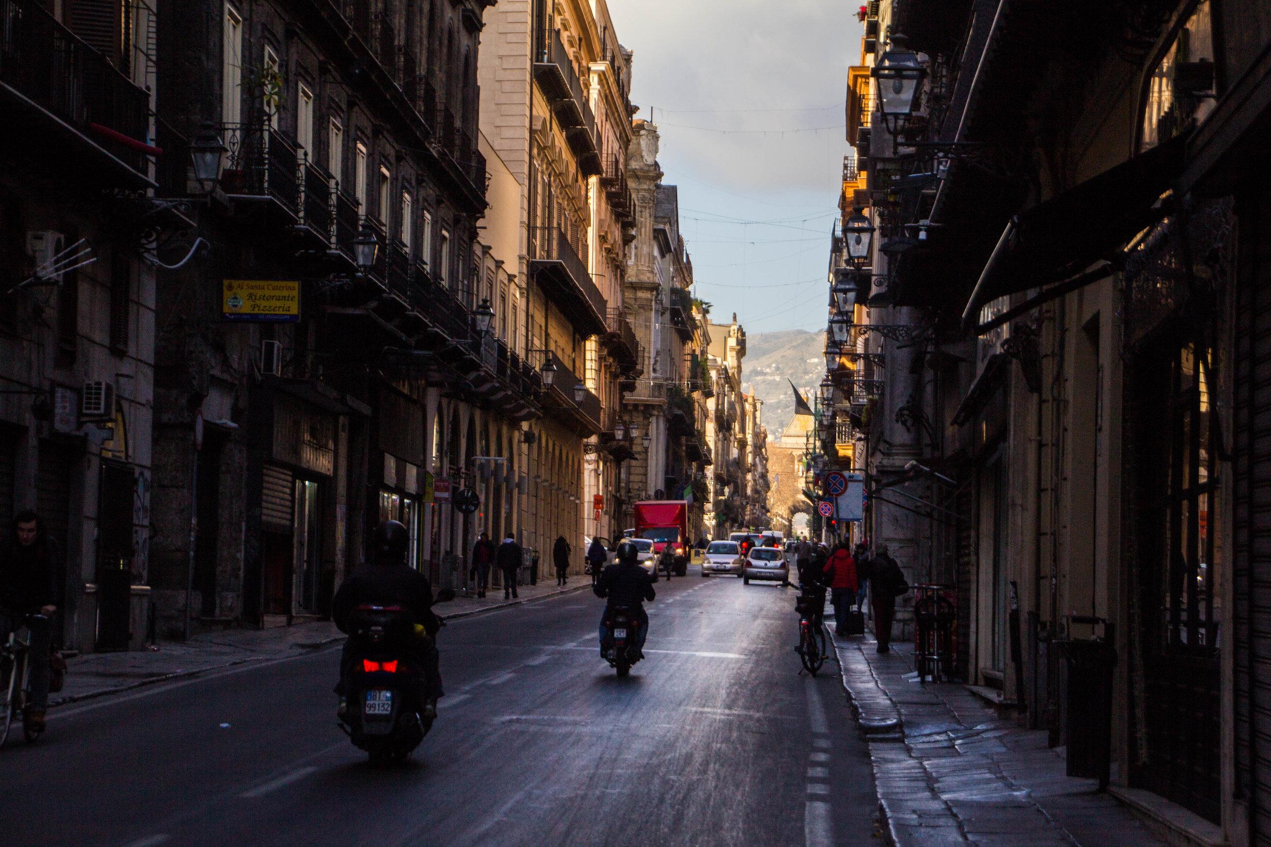 street-photography-palermo-sicily-9.jpg