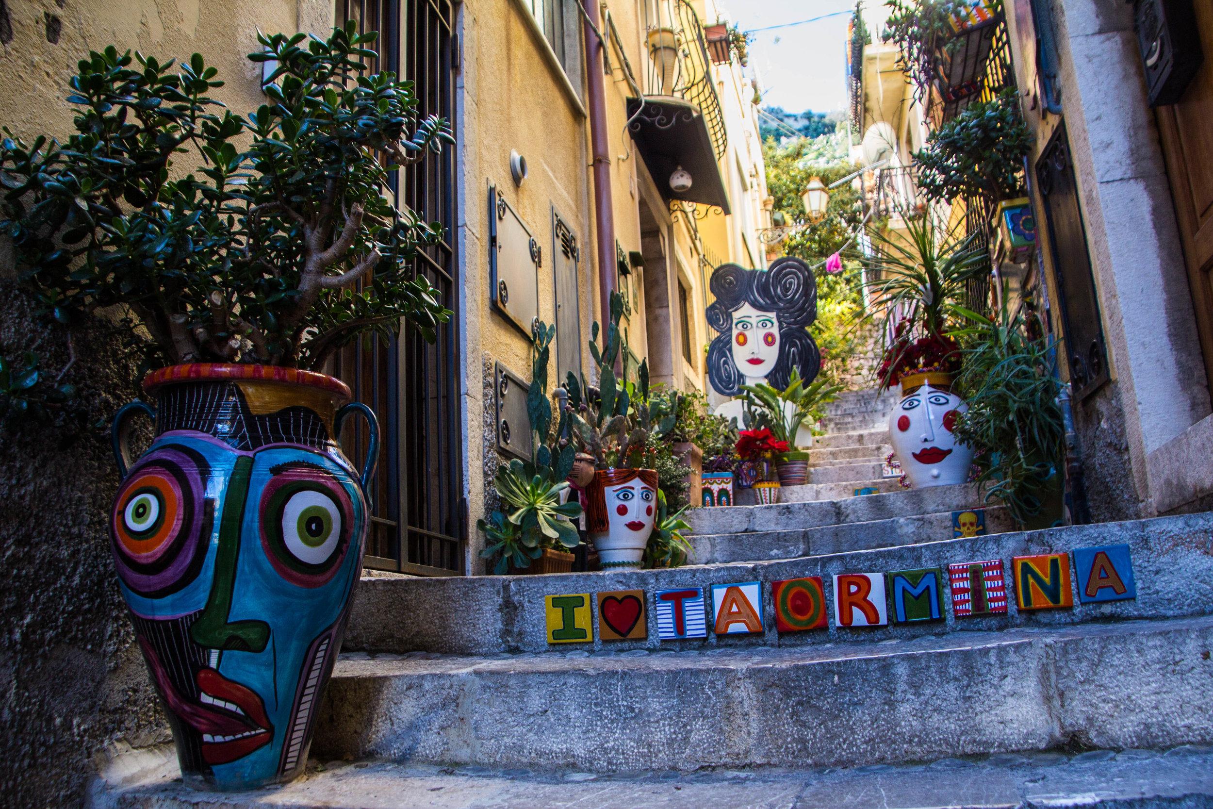 street-photography-taormina-sicily-41.jpg