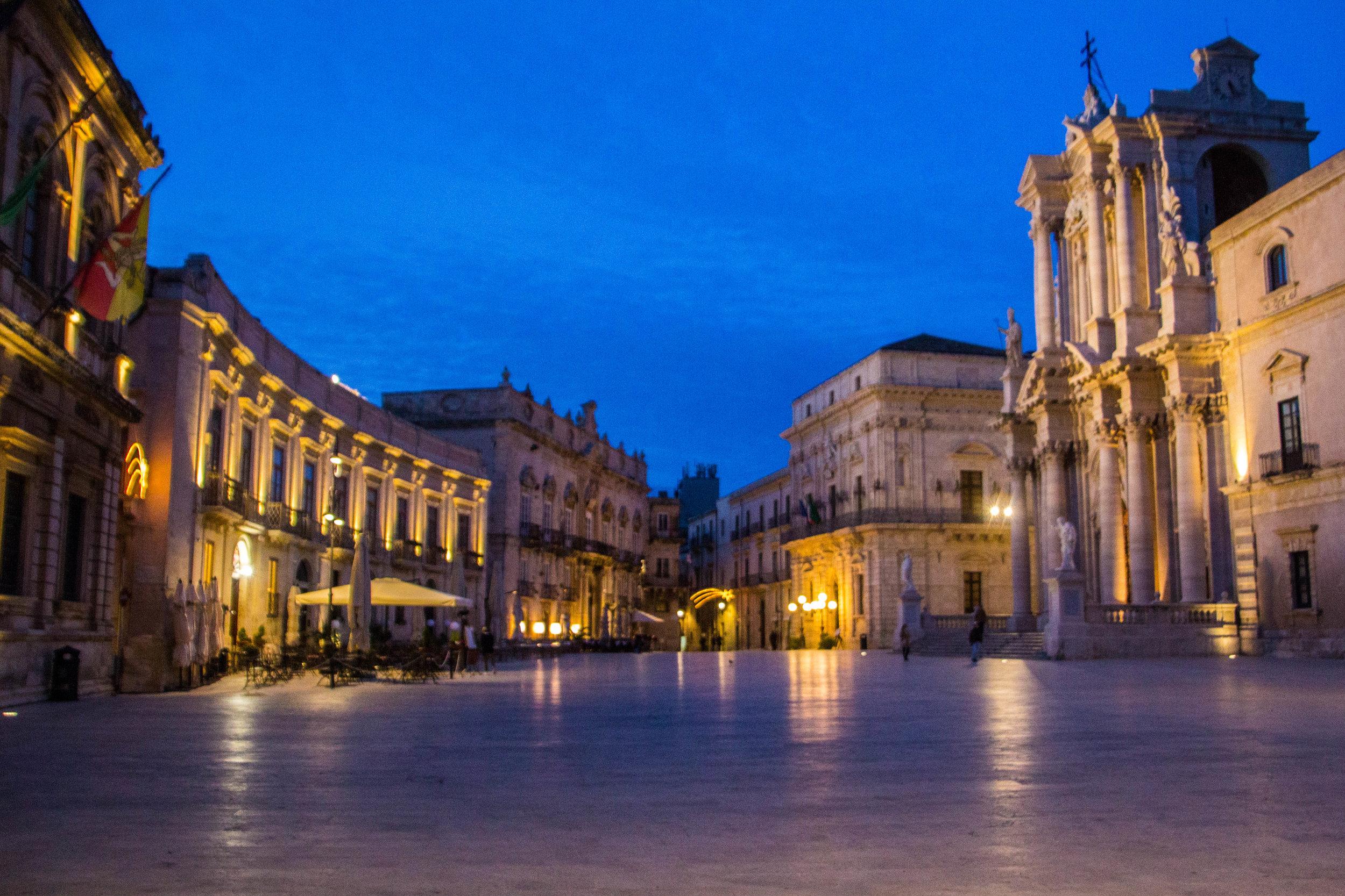 piazza-duomo-sunset-ortigya-syracuse-sicily-32.jpg